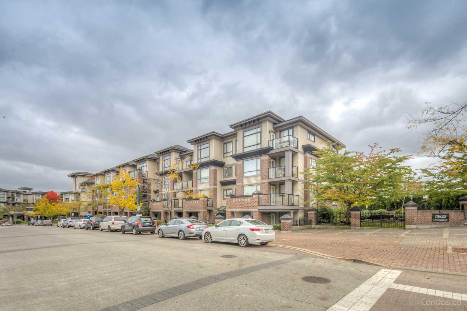 Access at 10838 City Pkwy, Surrey 1