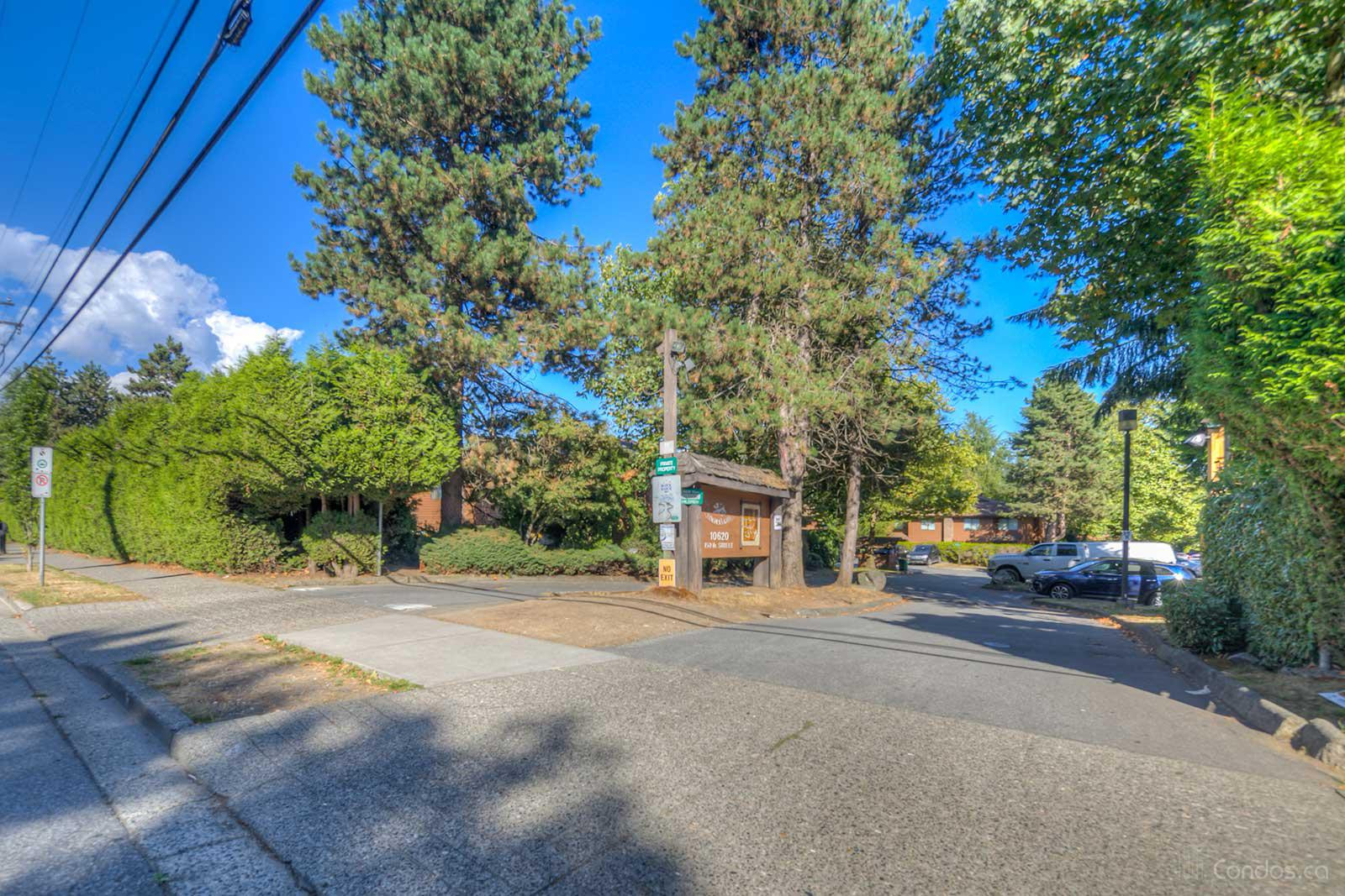 Lincoln's Gate at 10620 150 St, Surrey 1