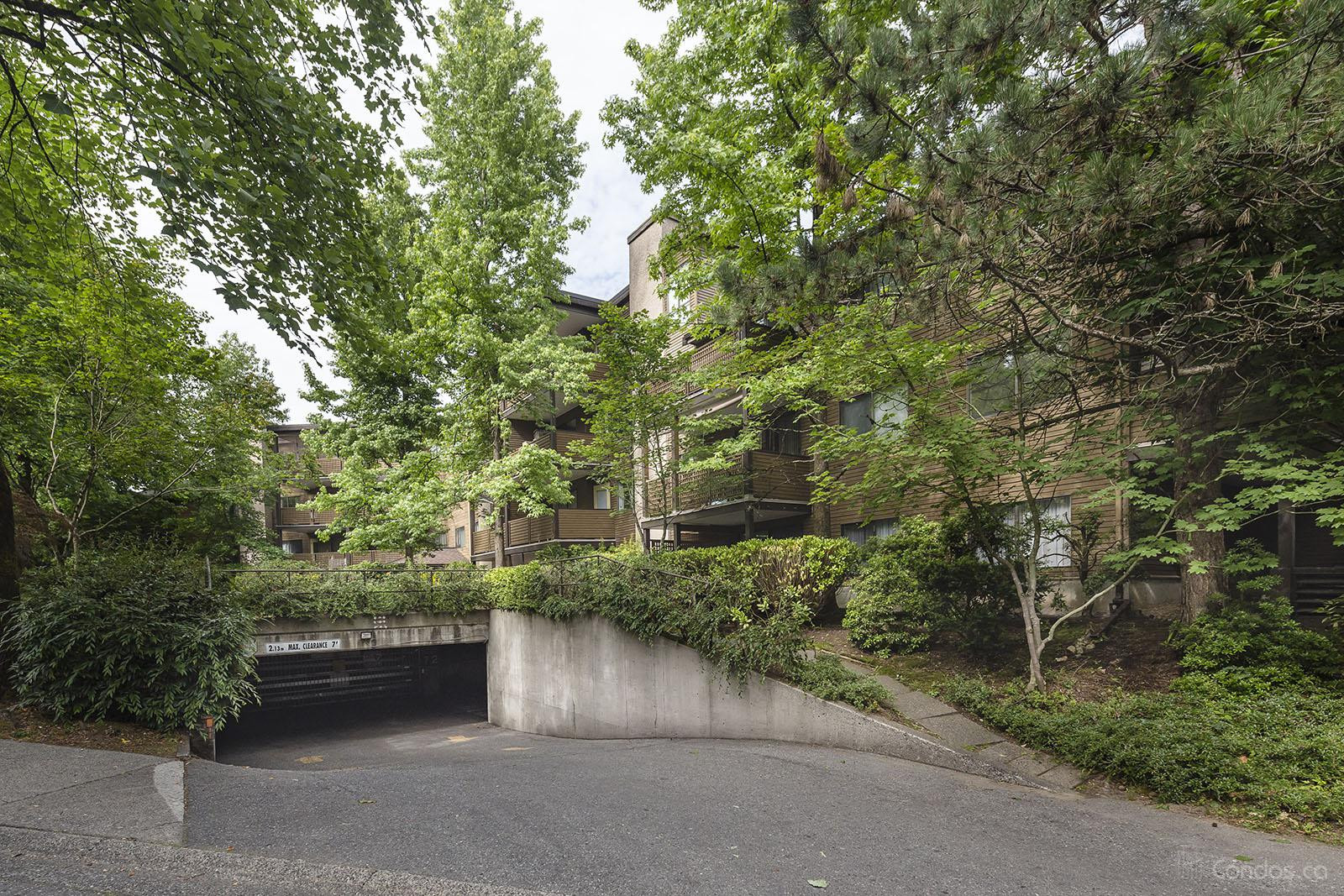 Lincoln's Hill at 10644 151a St, Surrey 0