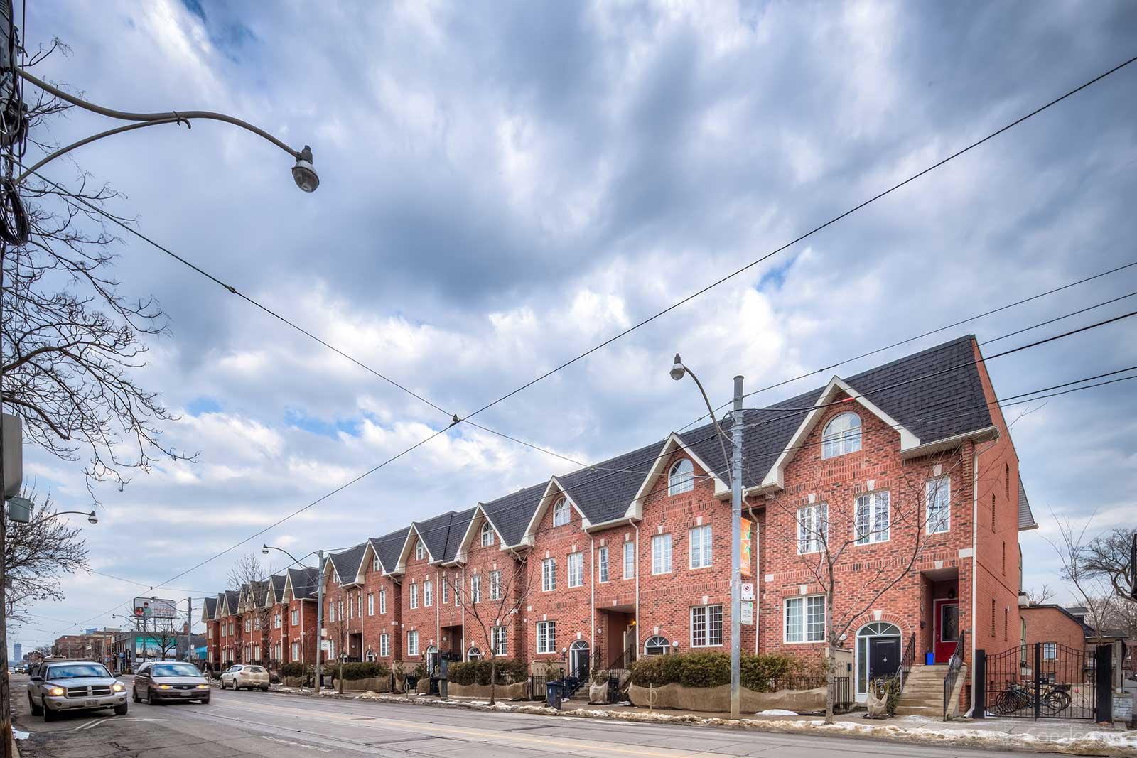 Prego Townhomes Ⅰ at 1021 College St, Toronto 1