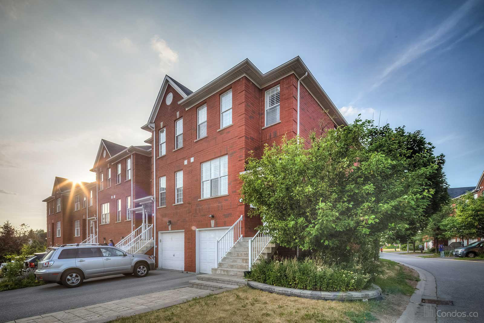 Sandhurst Circle Townhomes at 16 Exchequer Pl, Toronto 0