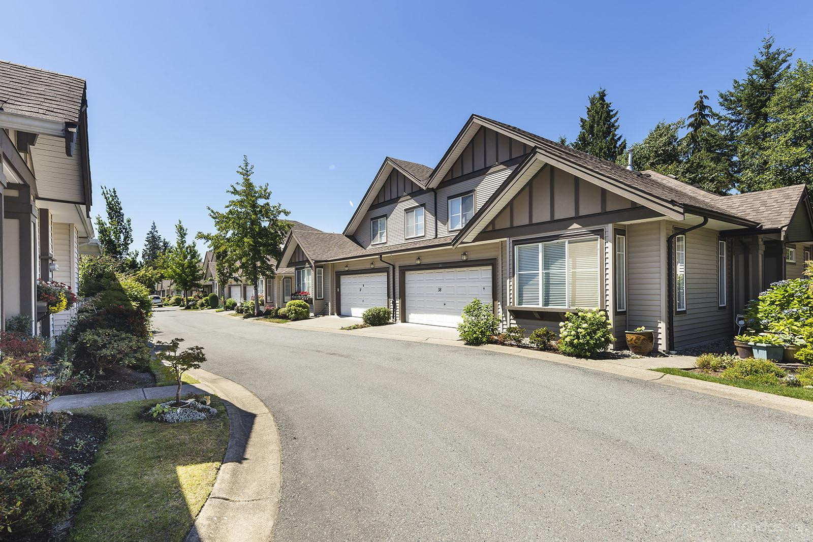 Chestnut Grove at 15868 85 Ave, Surrey 1