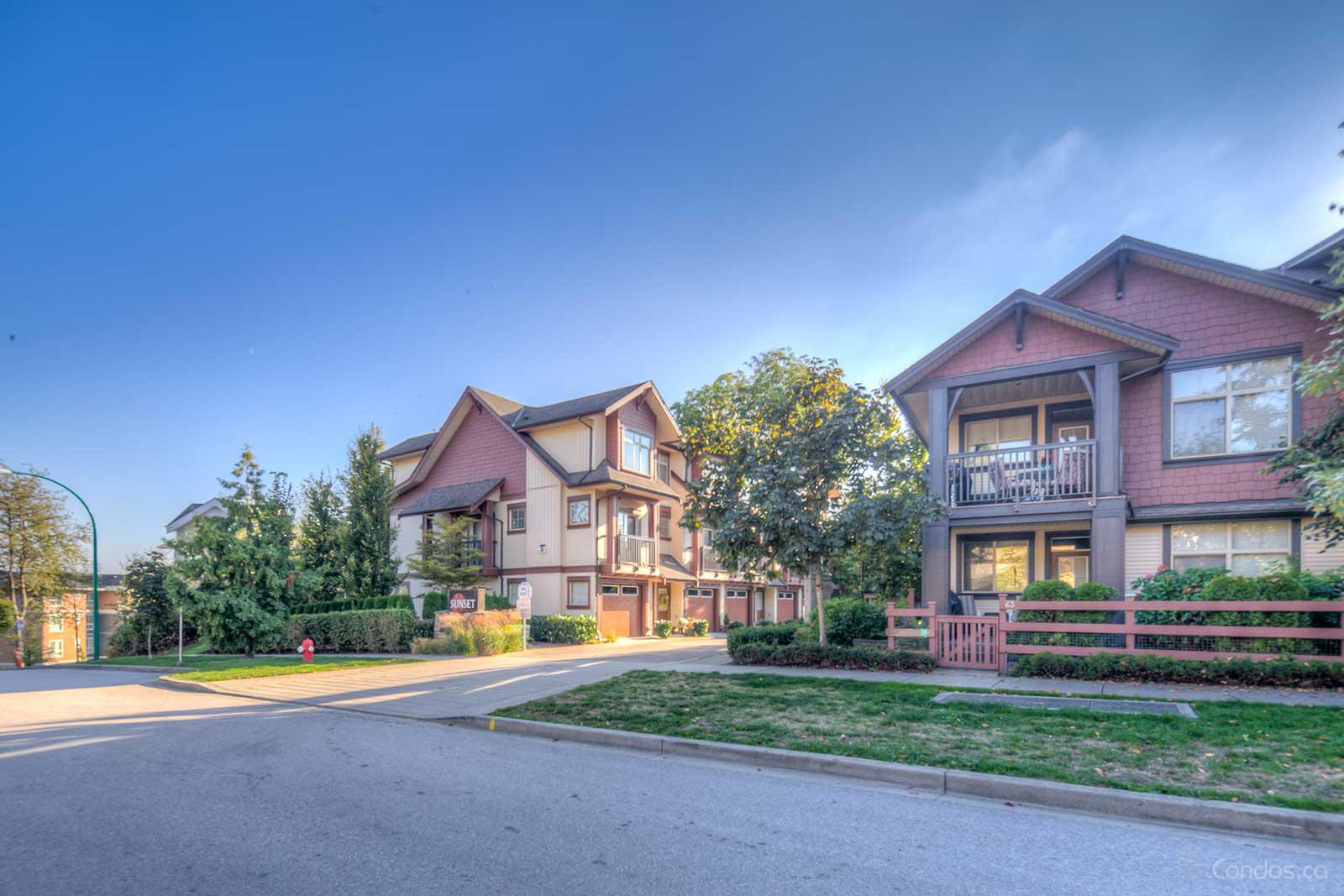 Sunset Grove at 19478 65 Ave, Surrey 0