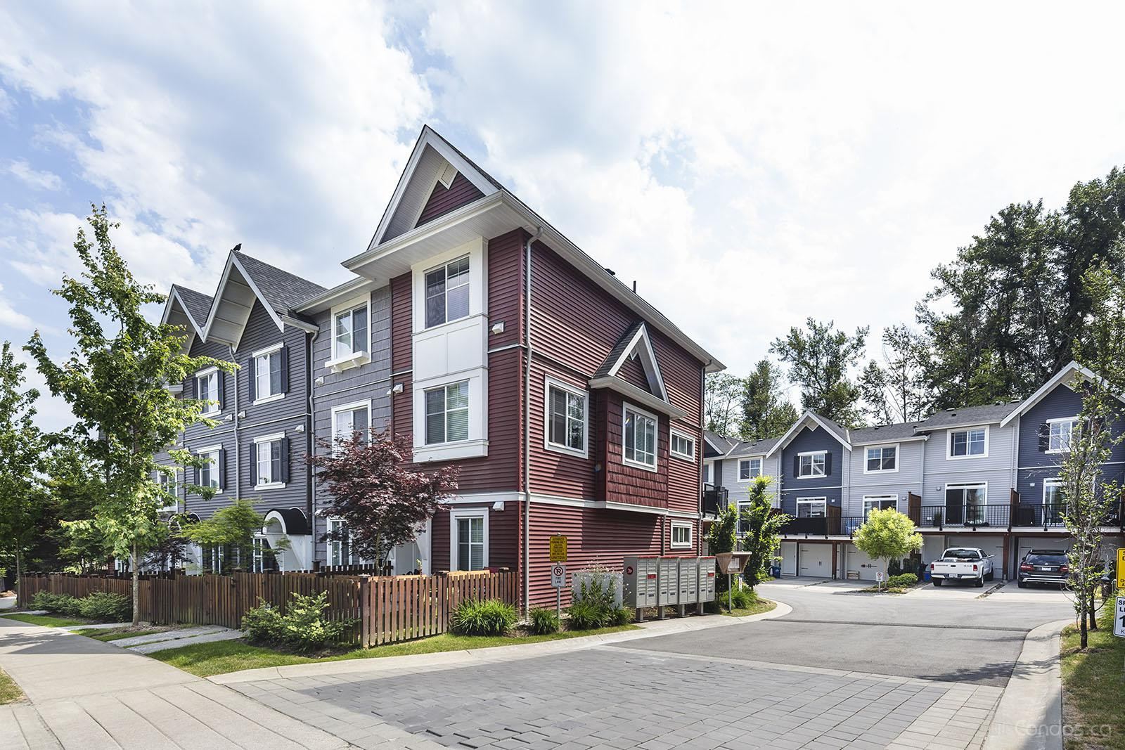 Brookside at 19128 65 Ave, Surrey 1
