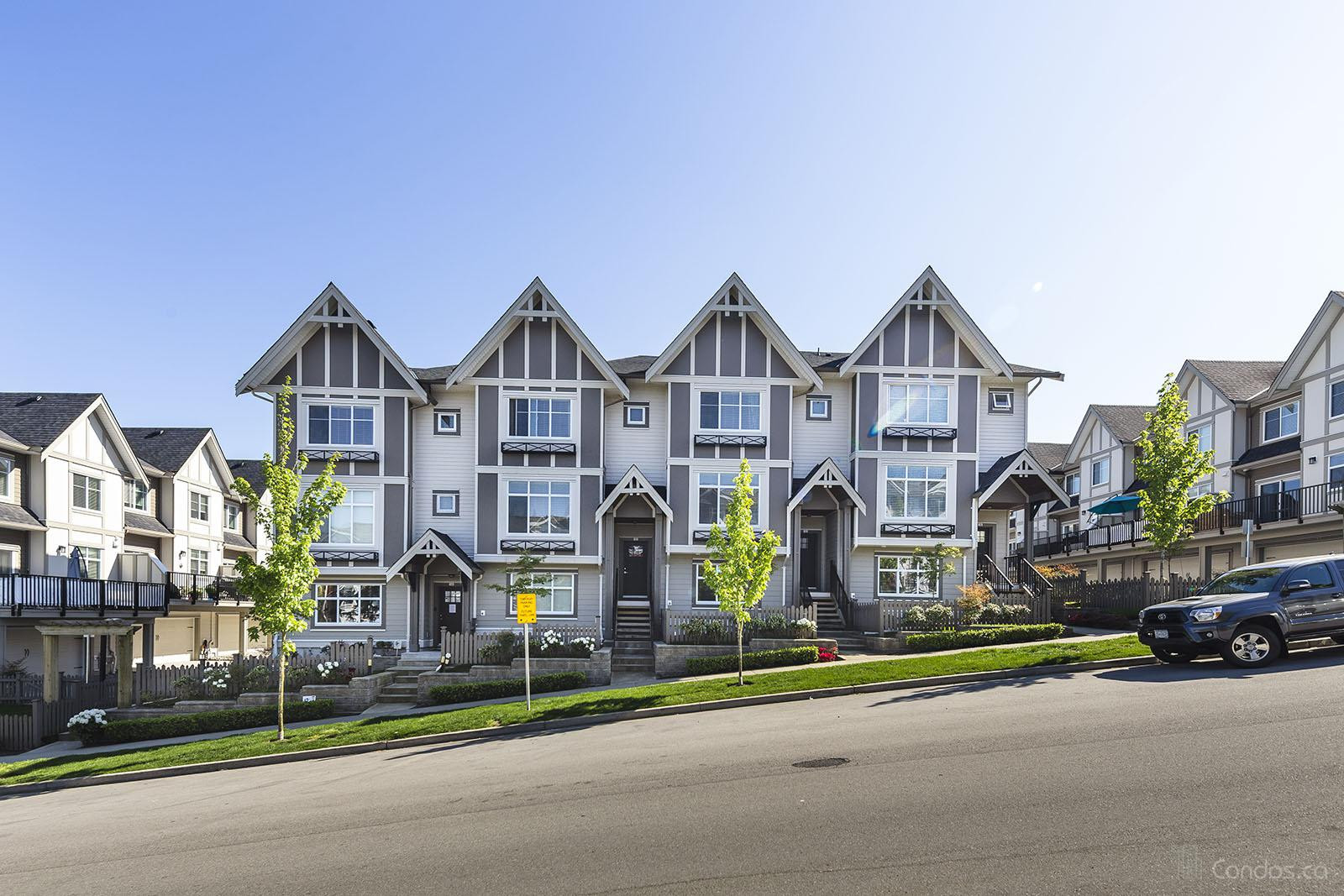 Zen Townhomes at 6588 195A St, Surrey 1