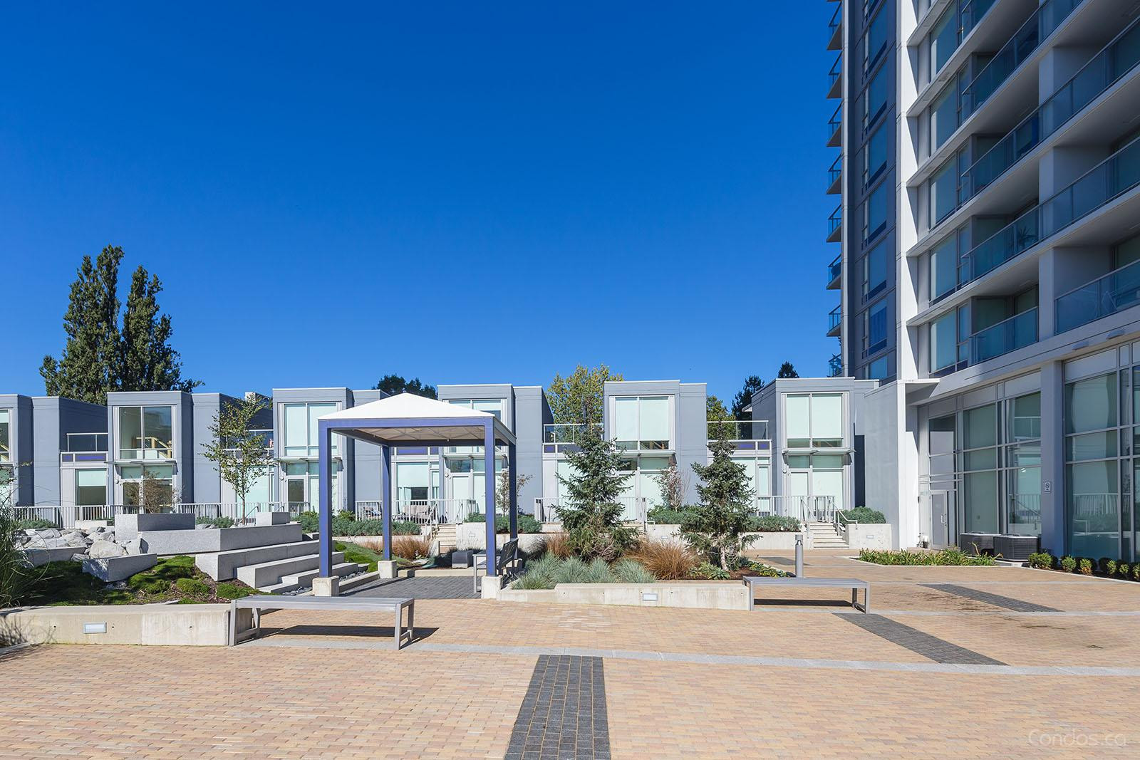 Park Avenue West at 13750 100 Ave, Surrey 1