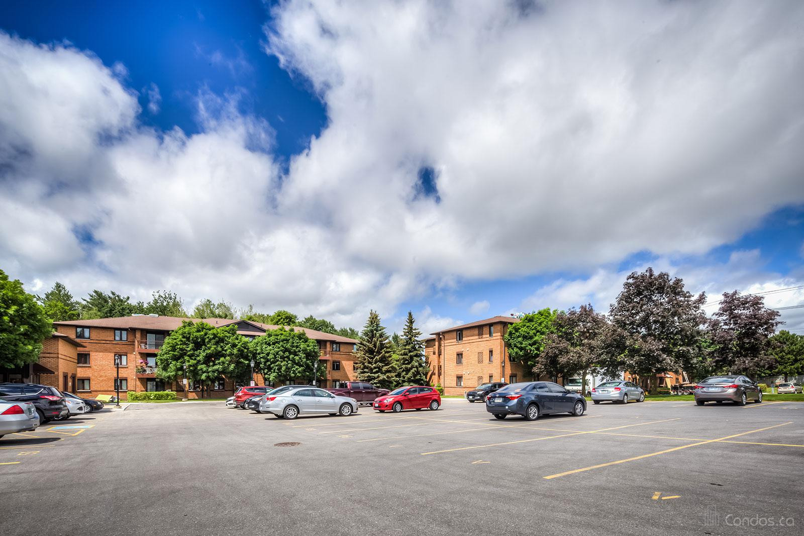10 Coulter Condos at 10 Coulter St, Barrie 1