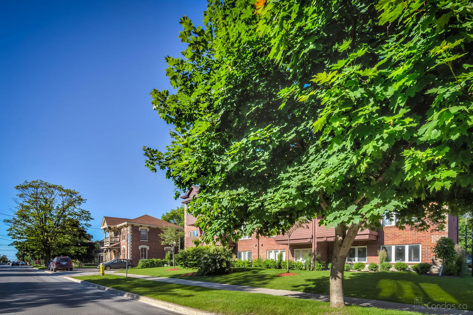 215 Pine Condos at 215 Pine St, Collingwood 0