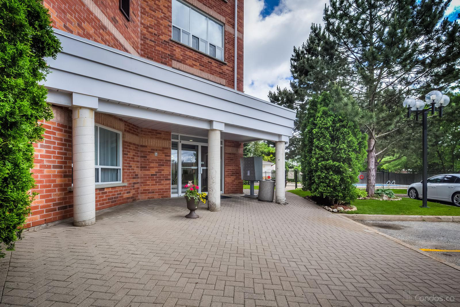 South Winds Terrace at 291 Blake St, Barrie 1