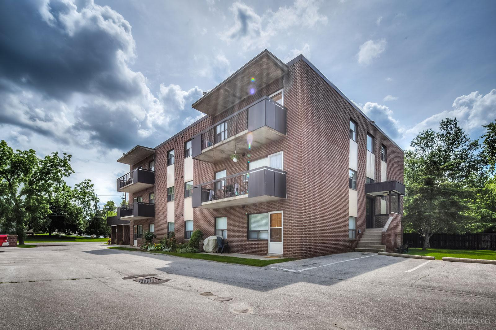 8th Street Condos at 173 Eighth St, Collingwood 1