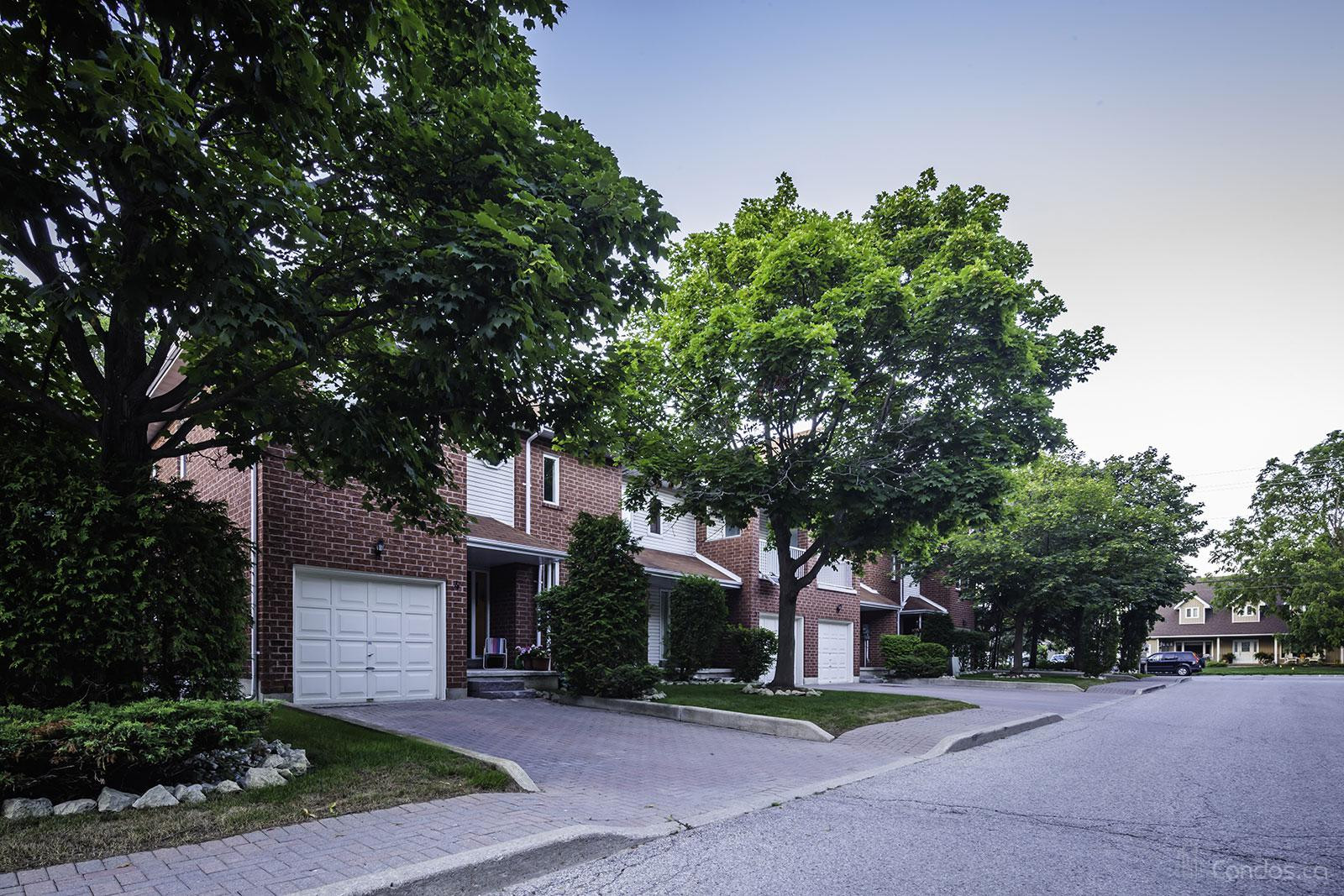 The Oaks at 250 Cox Mill Rd, Barrie 0