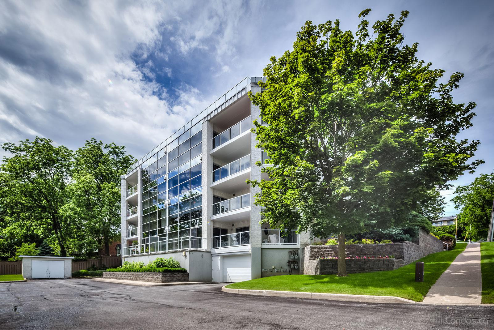 Vancouver Place at 233 Blake St, Barrie 1