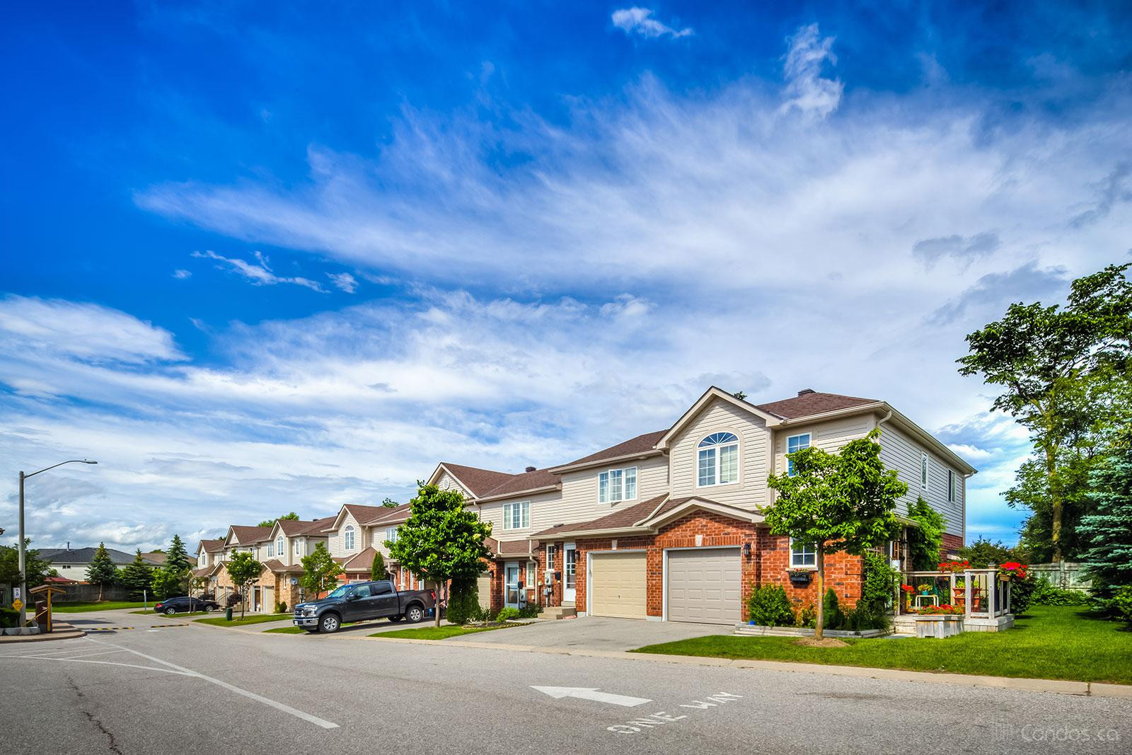 Mapleview Drive Condos at 430 Mapleview Dr E, Barrie 0