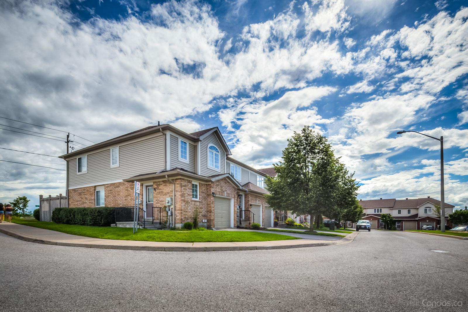 Mapleview Drive Condos at 430 Mapleview Dr E, Barrie 1
