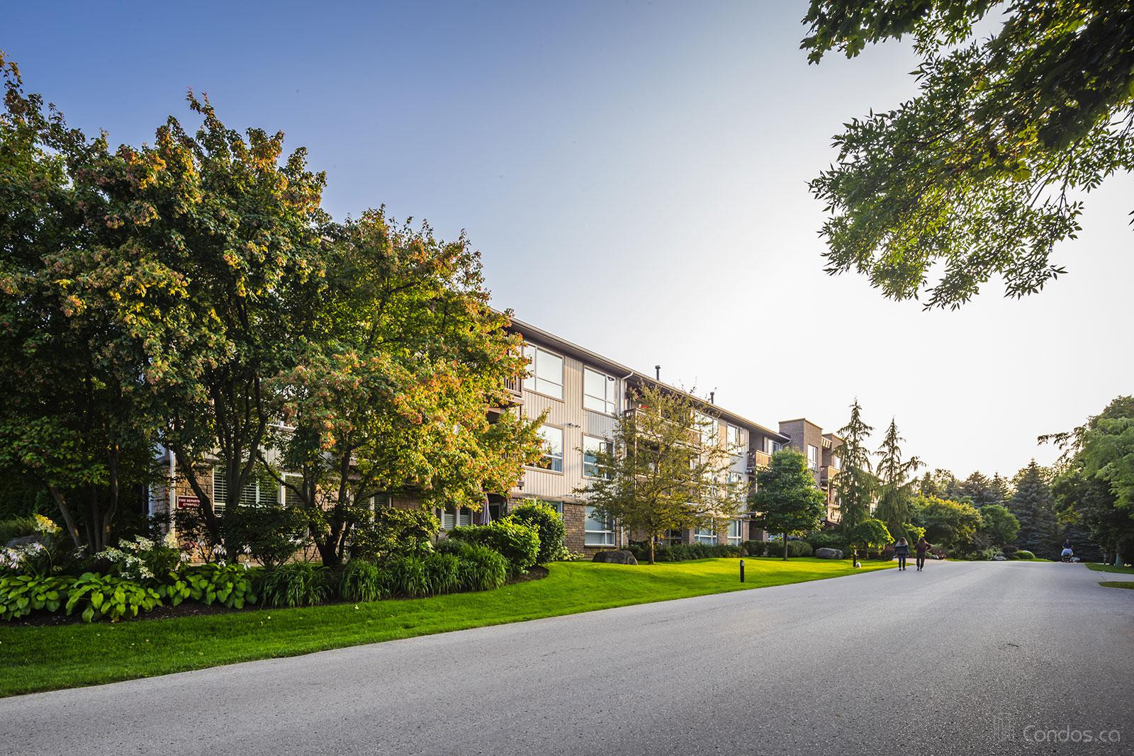 Johnston Park Condos at 750 Johnston Park Ave, Collingwood 1