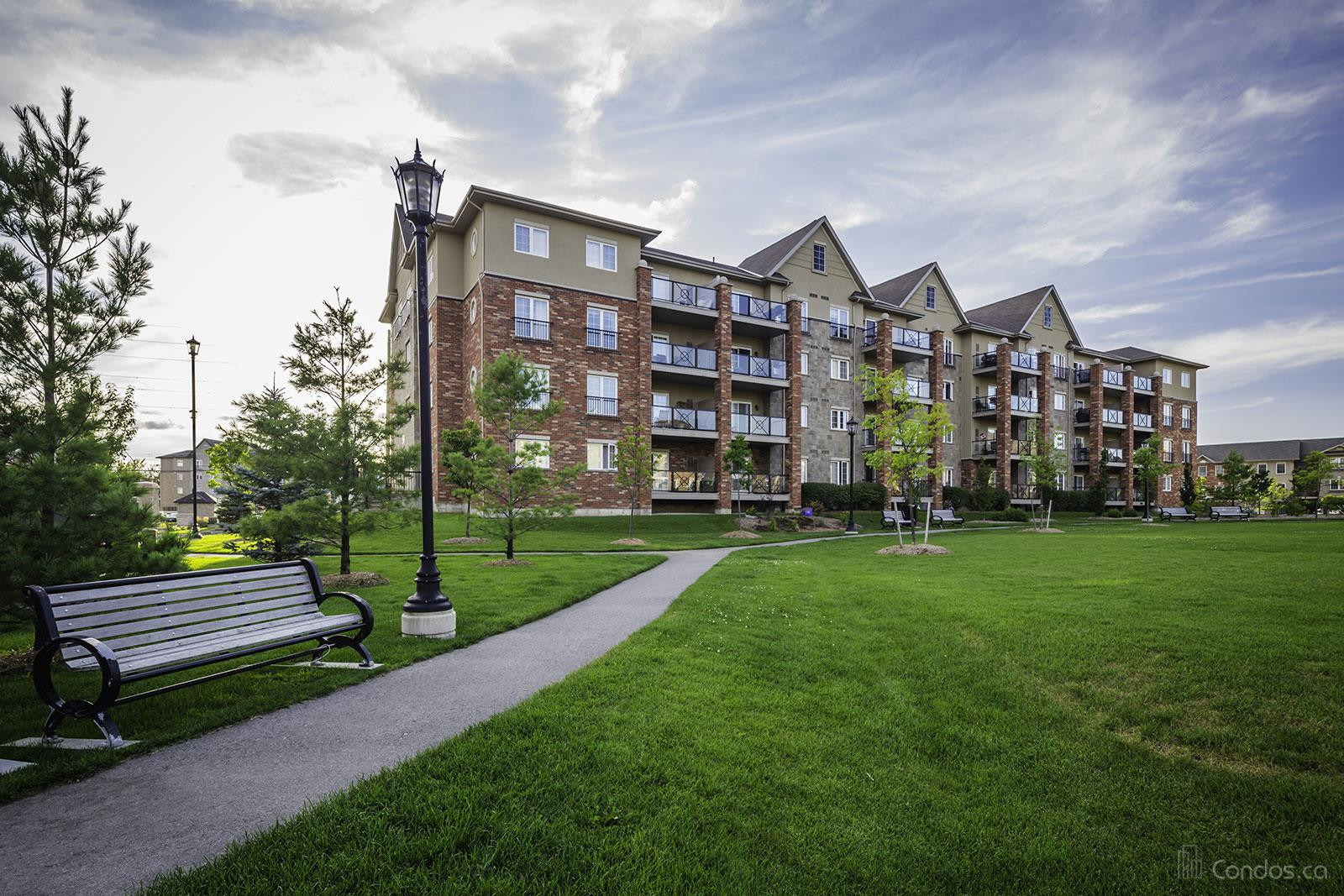 Manhattan at 41 Ferndale Dr S, Barrie 1