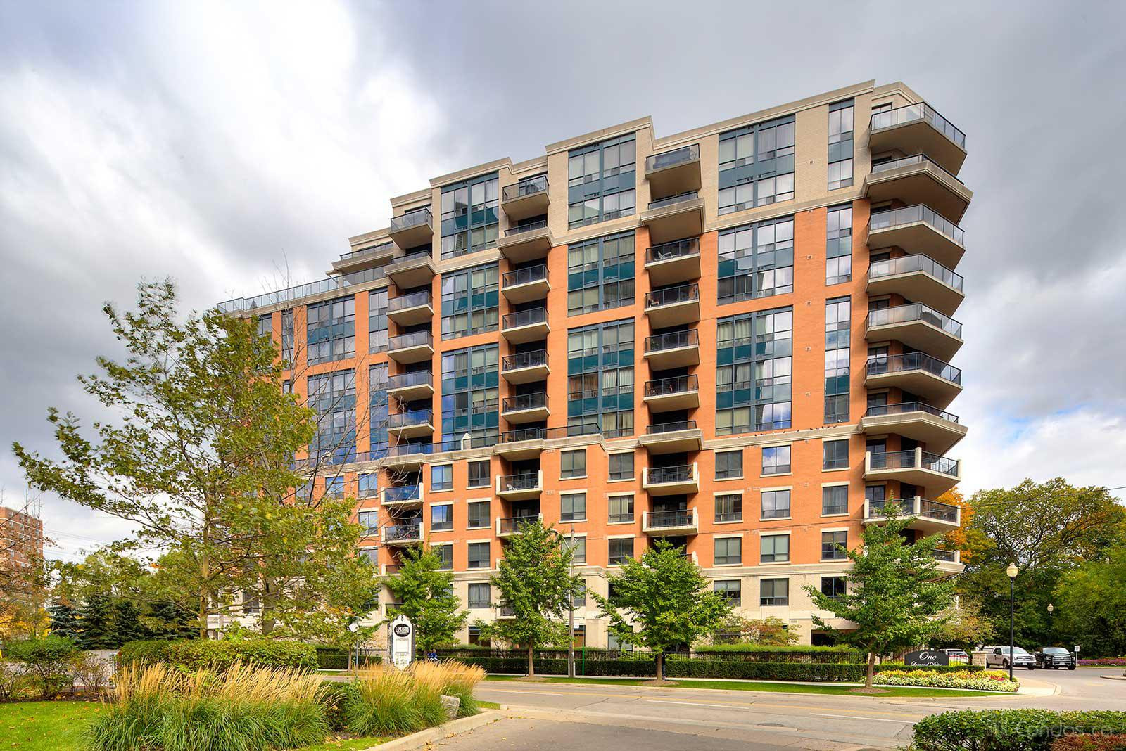 Town and Country Ⅰ at 1 Lomond Dr, Toronto 1