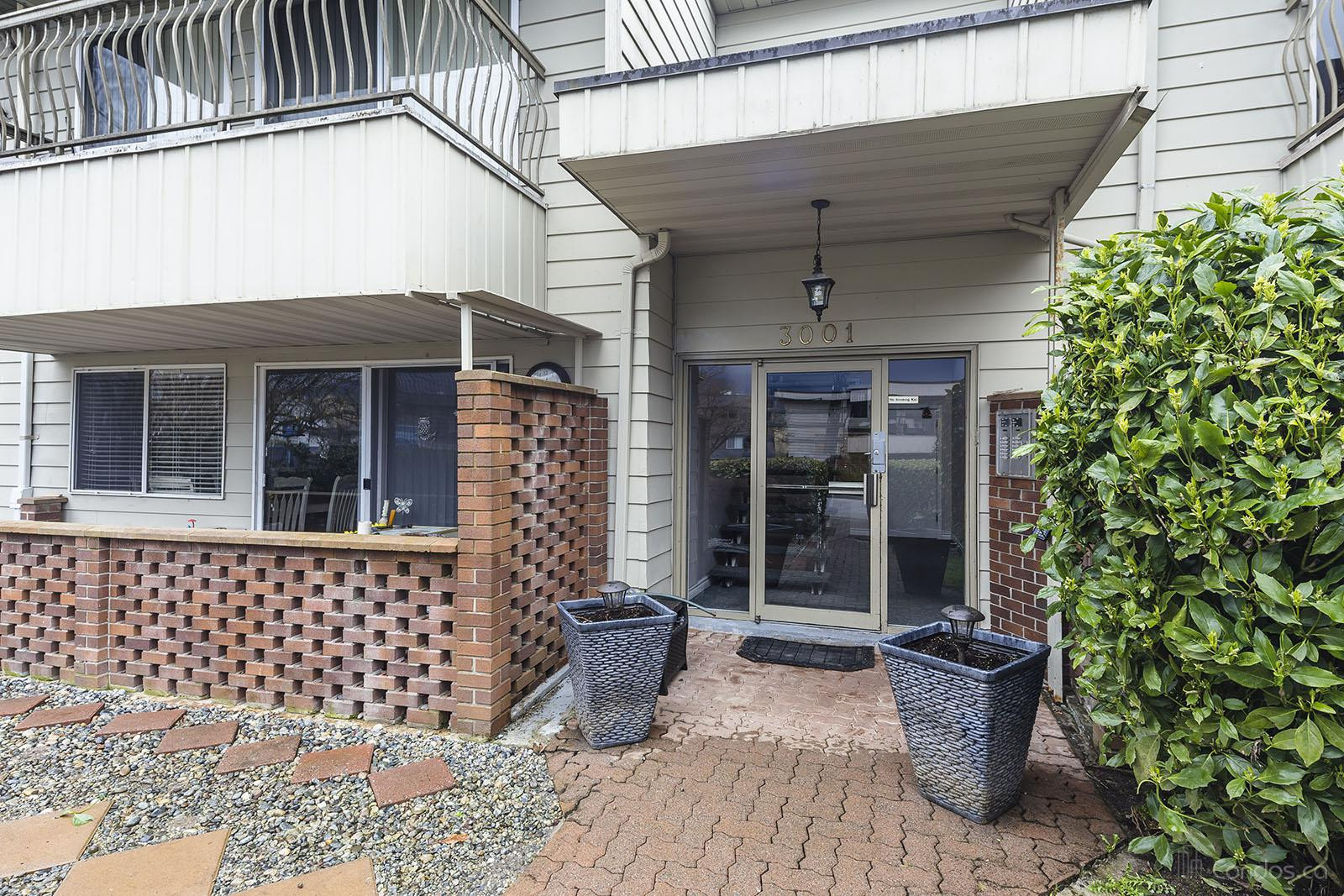 Williams Court at 3001 St George St, Port Moody 1