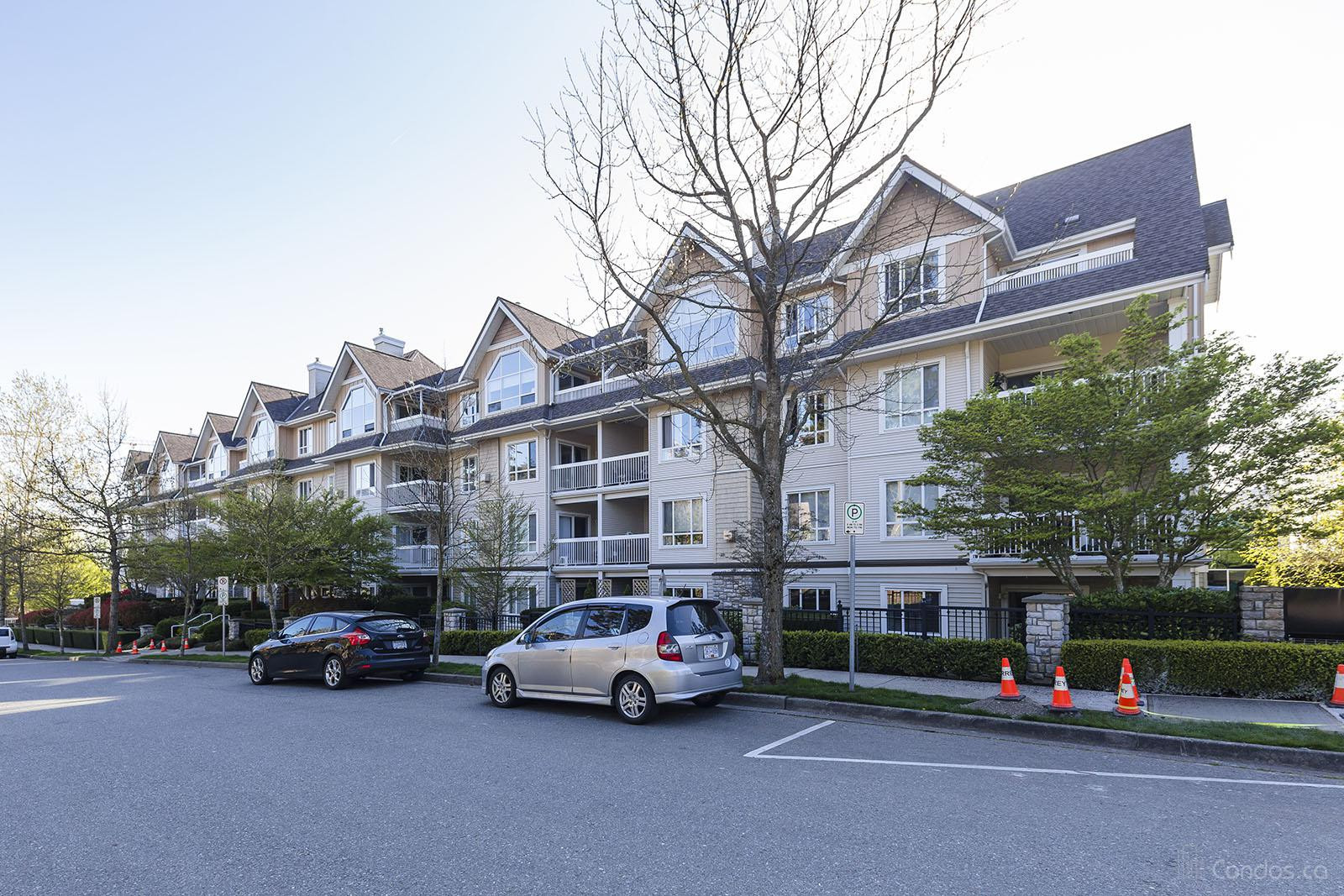 Suncliff Place at 1685 152a St, Surrey 1