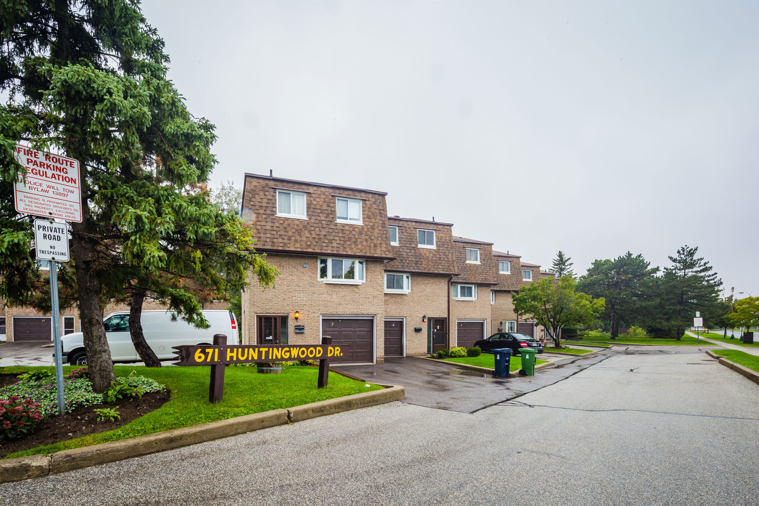671 Huntingwood Drive Townhouses at 671 Huntingwood Dr, Toronto 0