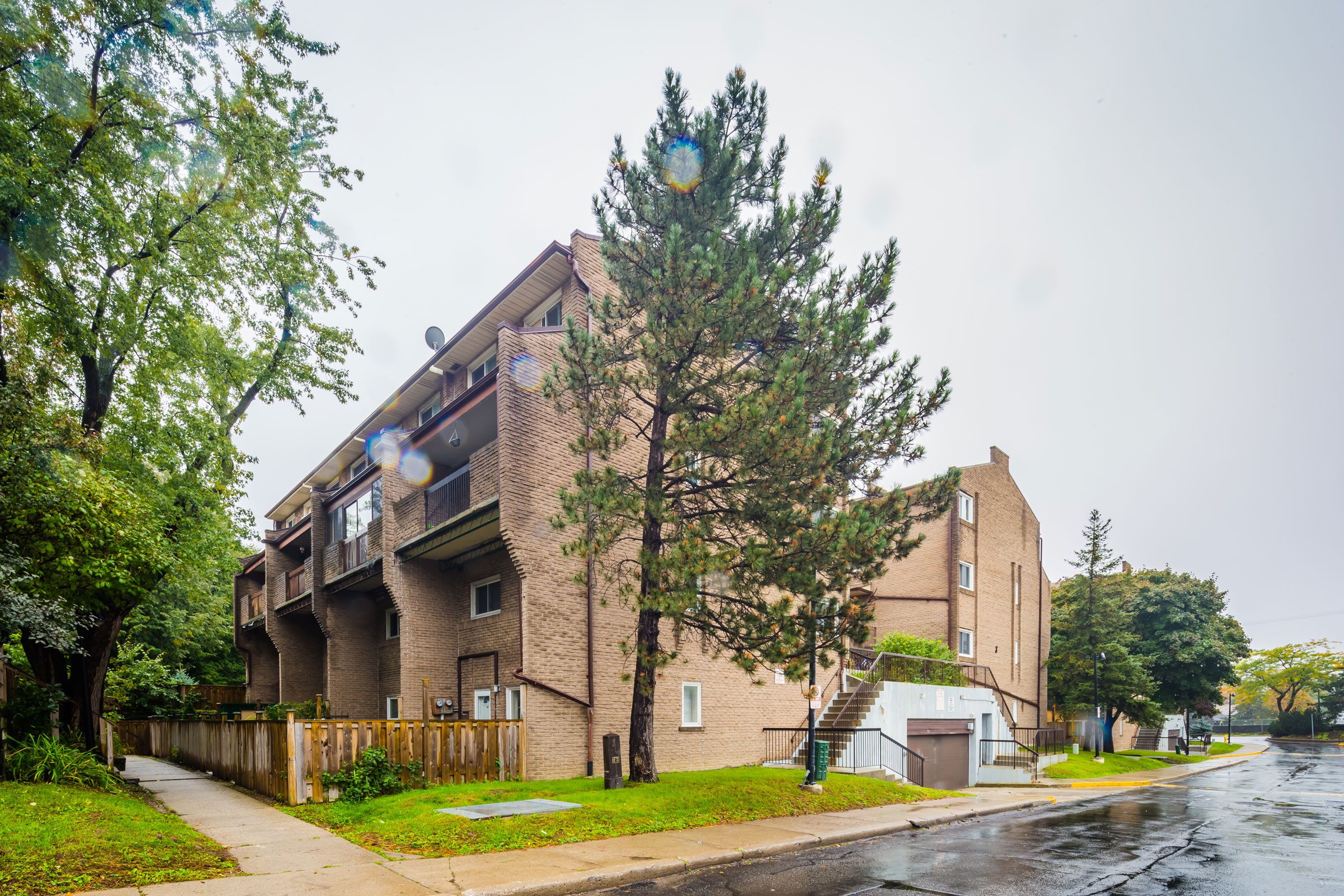 Scarborough Golf Club Road Townhouses at 91 Muir Dr, Toronto 1