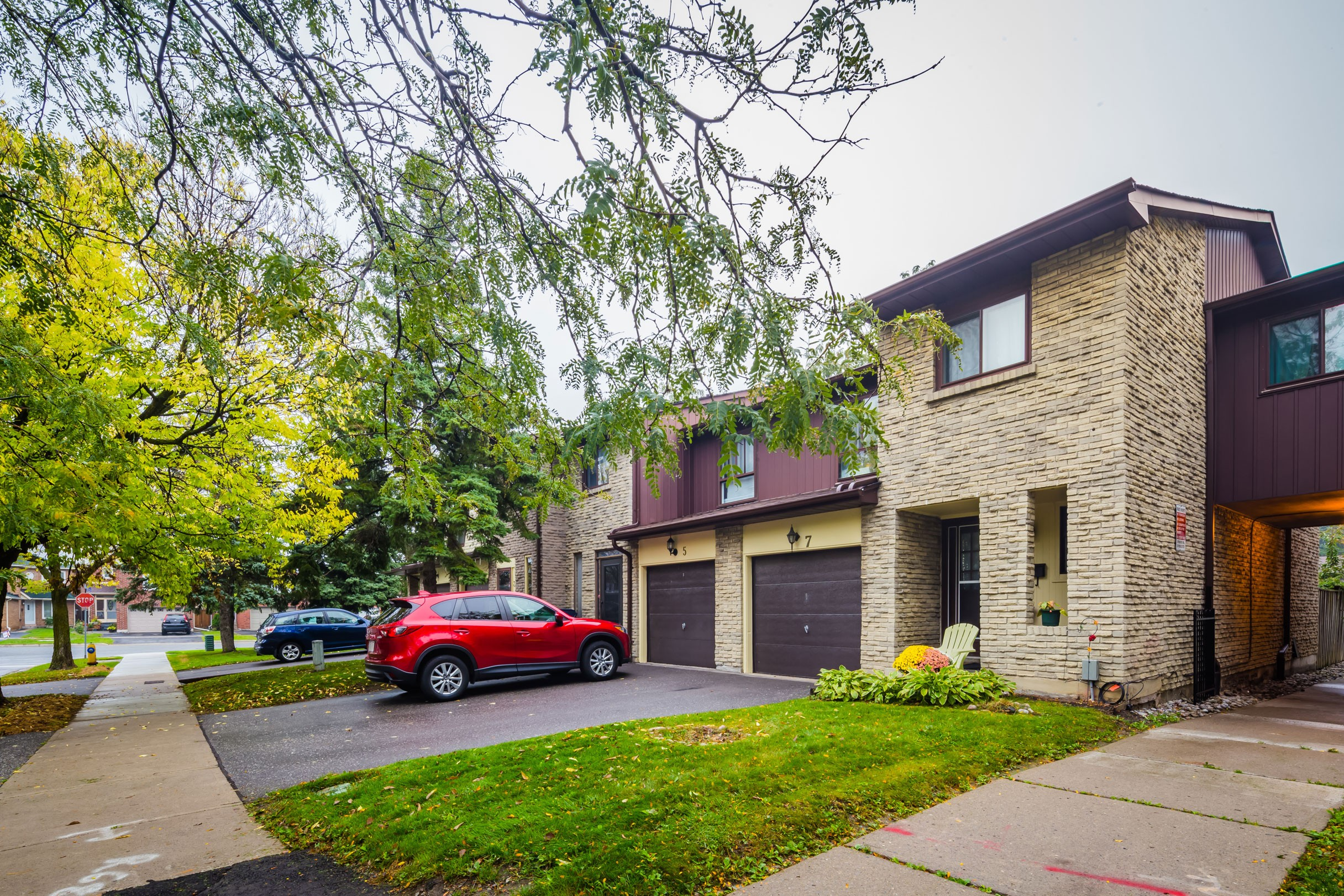 7 Thunder Grove Townhouses at 1051 Sandhurst Cir, Toronto 0