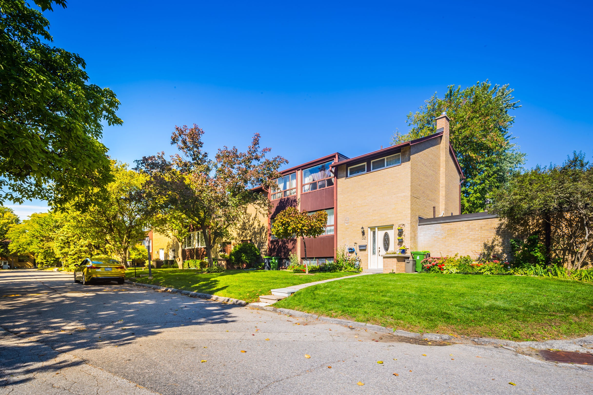 33 Broadpath Road Townhouses at 38 Balaby Crescent, Toronto 0