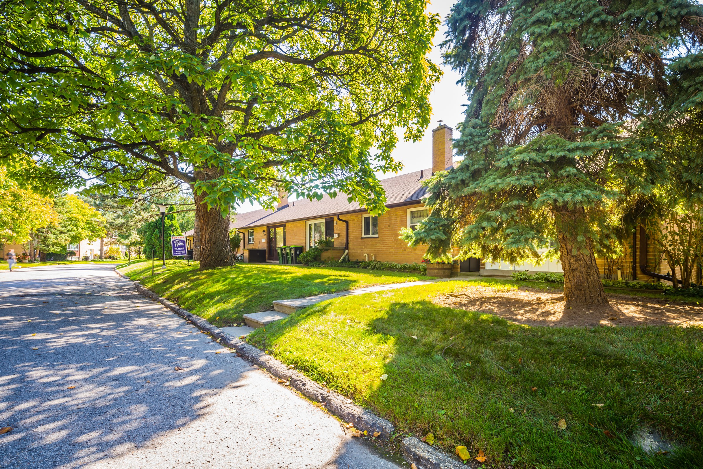 33 Broadpath Road Townhouses at 38 Balaby Crescent, Toronto 1