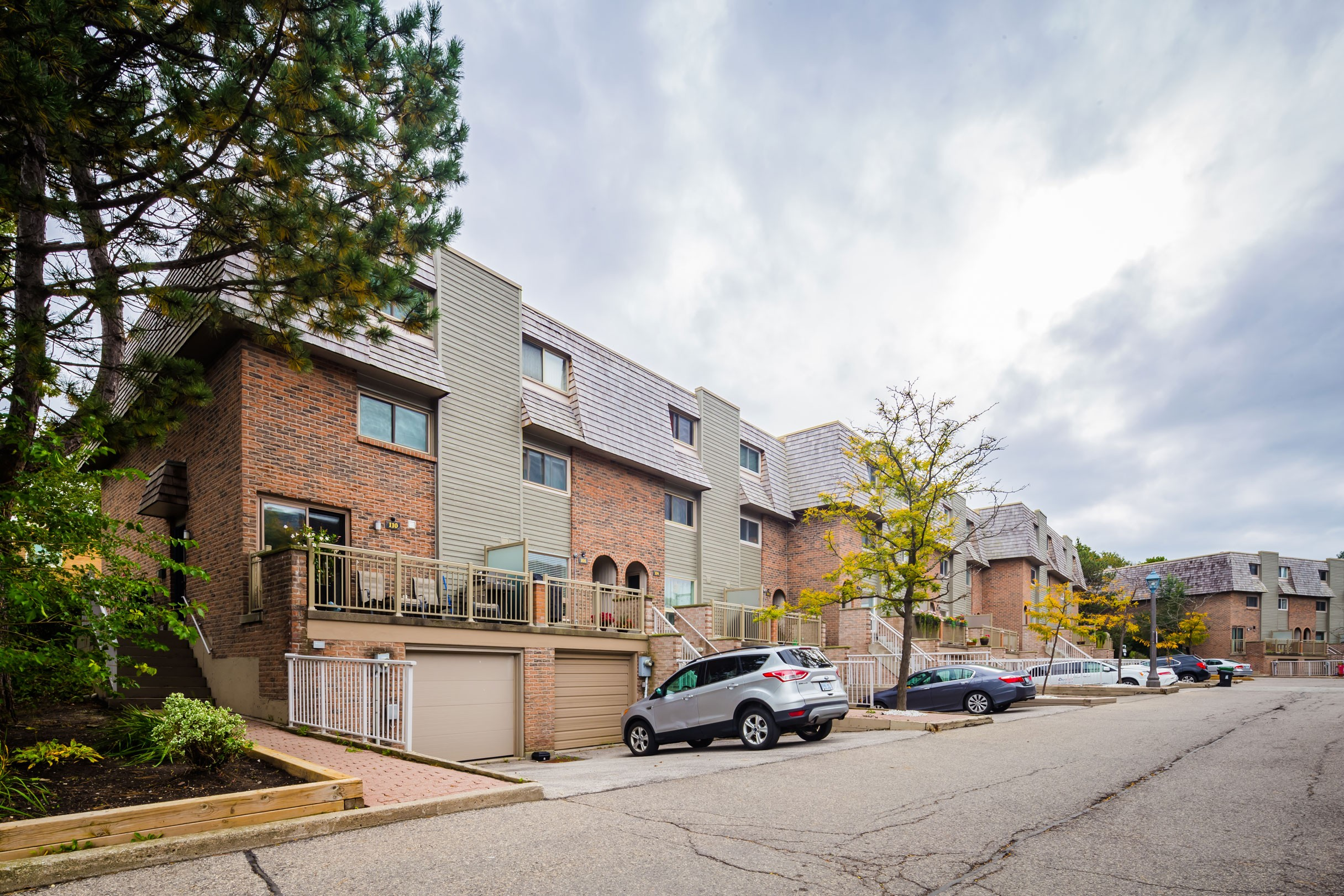 95 Dutch Myrtle Way Townhouses at 77 Dutch Myrtleway, Toronto 1