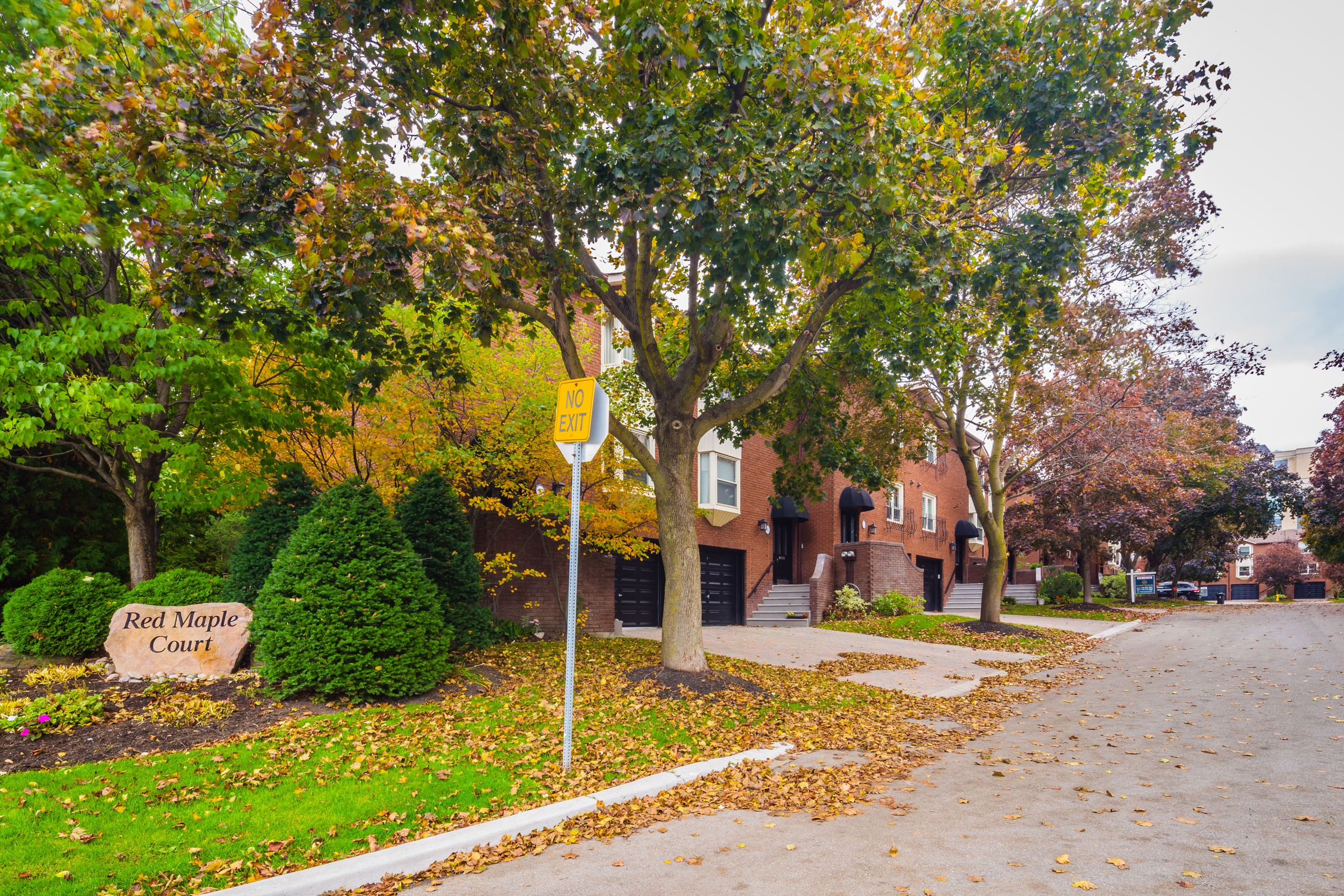 Red Maple Court Townhouses at 11 Red Maple Crt, Toronto 0