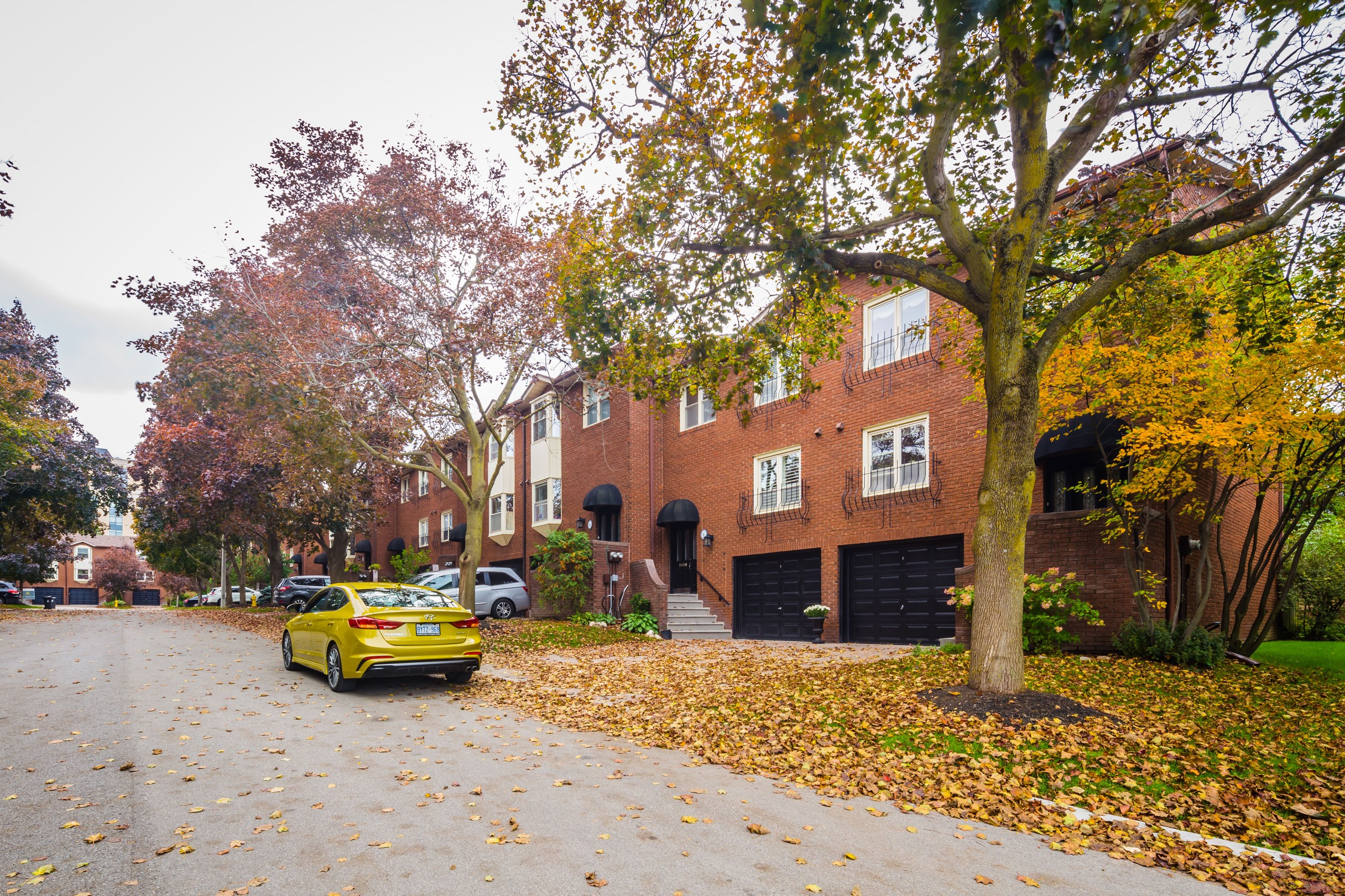 Red Maple Court Townhouses at 11 Red Maple Crt, Toronto 1