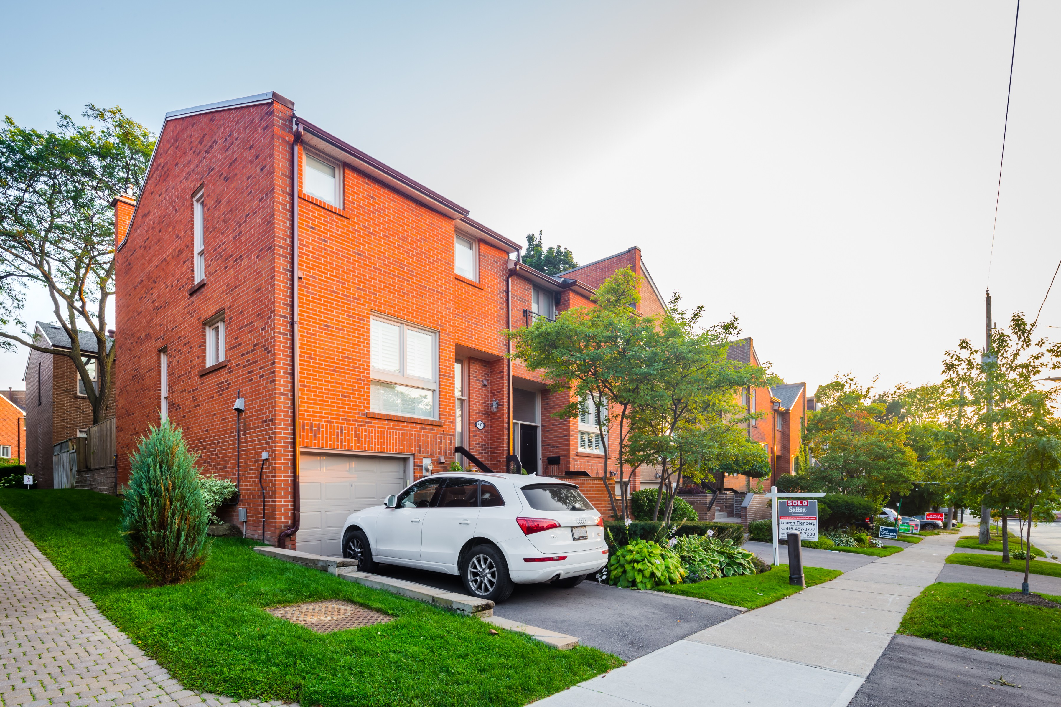 Bedford Glen Townhomes at 397 Woburn Ave, Toronto 0