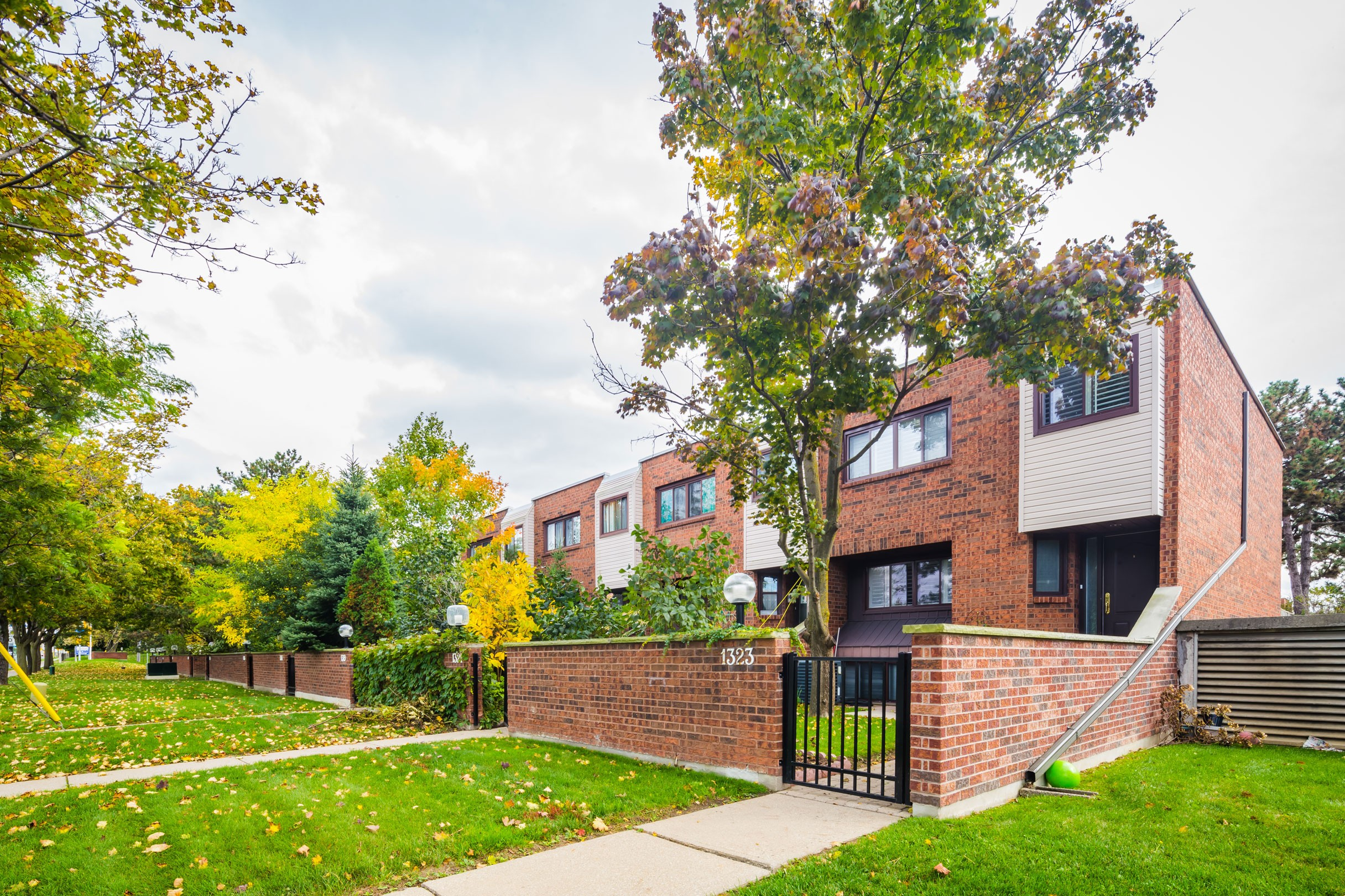 1329 Steeles Townhouses at 296 Torresdale Ave, Toronto 0