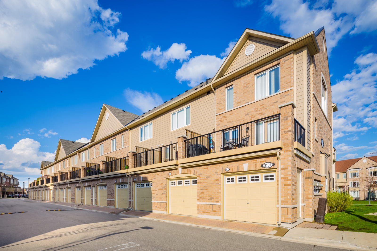 3185 Boxford Cres Townhouses at 3185 Boxford Cres, Mississauga 0