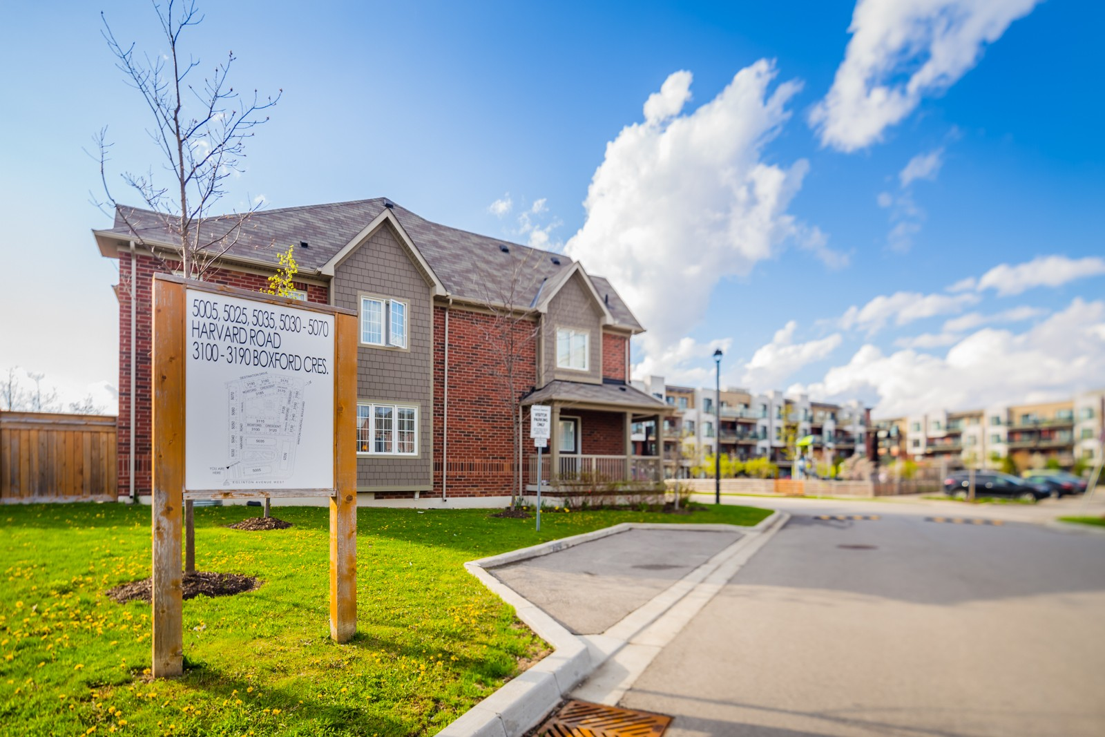 3185 Boxford Cres Townhouses at 3185 Boxford Cres, Mississauga 1