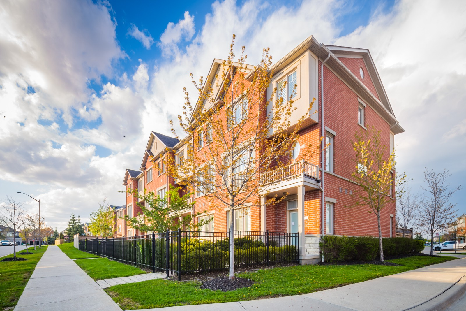 5725 Tosca Dr Townhouses at 5725 Tosca Dr, Mississauga 0