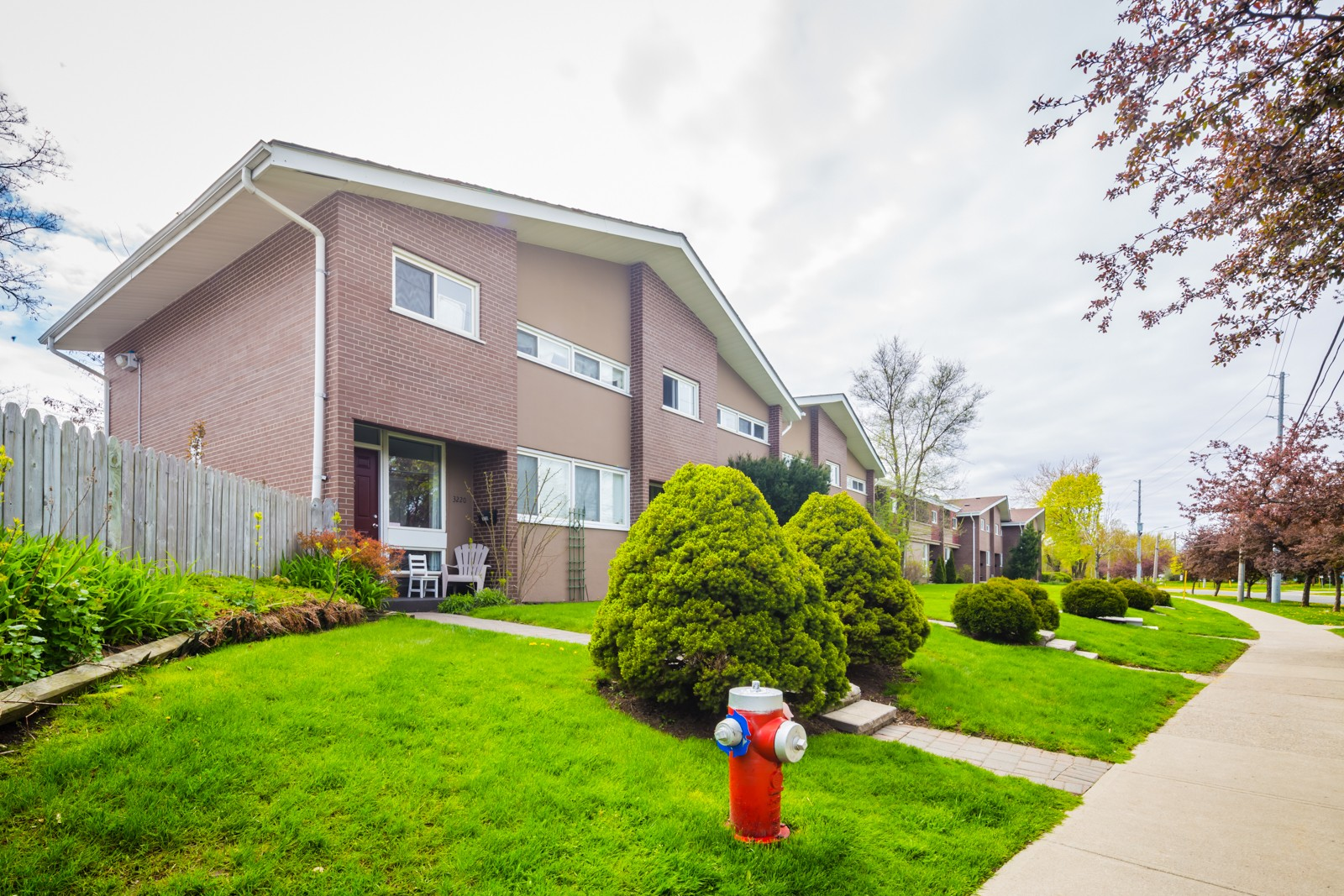 Victoria Park Place at 3226 The Credit Woodlands, Mississauga 0