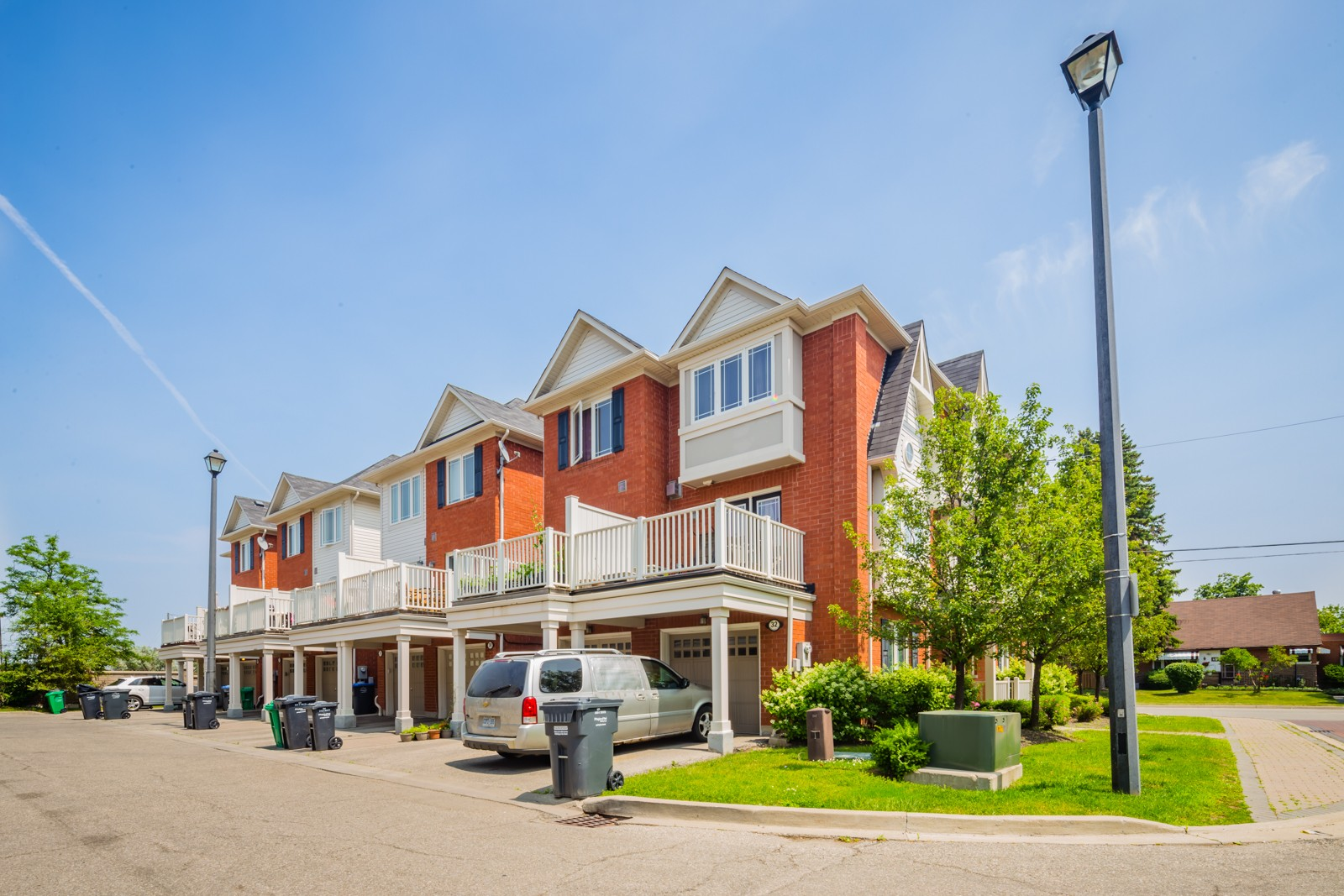 50 Hillcrest Ave Townhouses at 50 Hillcrest Ave, Brampton 0