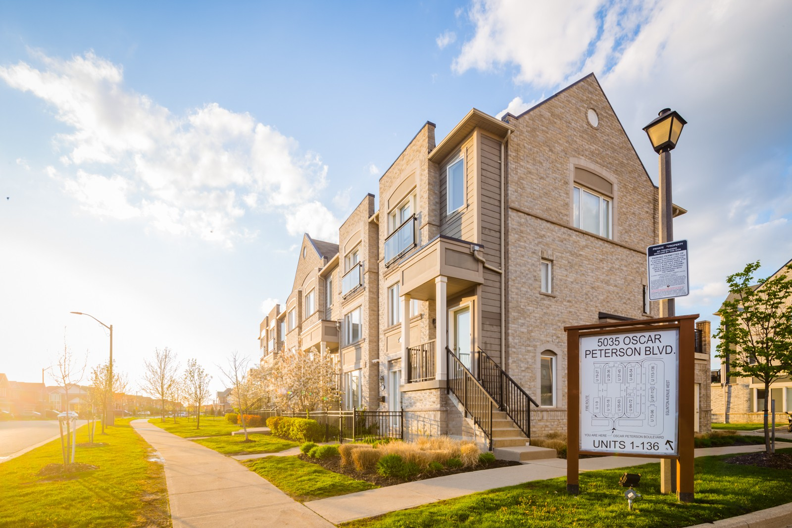 5035 Oscar Peterson Blvd Townhouses at 5035 Oscar Peterson Blvd, Mississauga 0