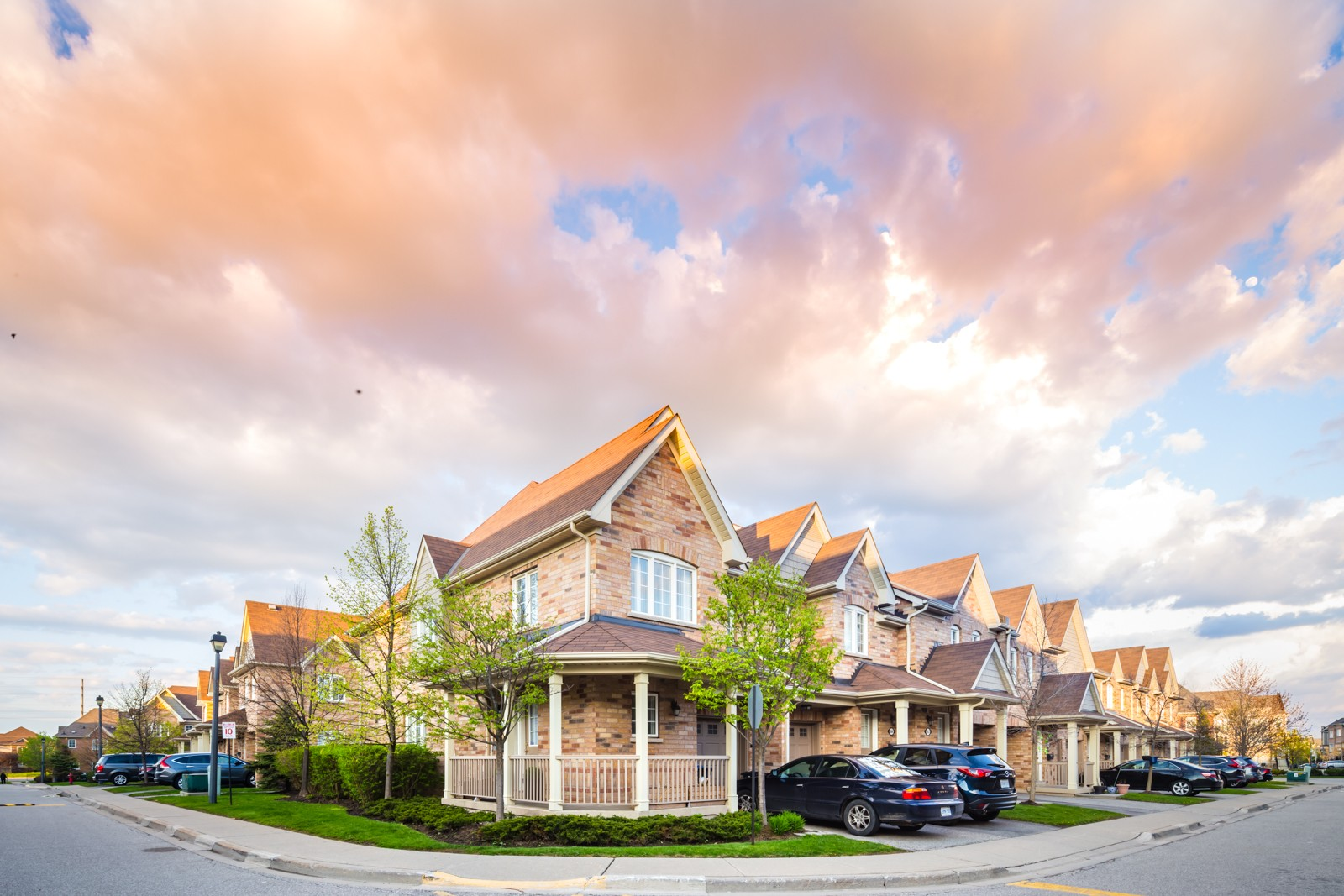 5255 Palmetto Pl Townhouses at 5255 Palmetto Pl, Mississauga 1
