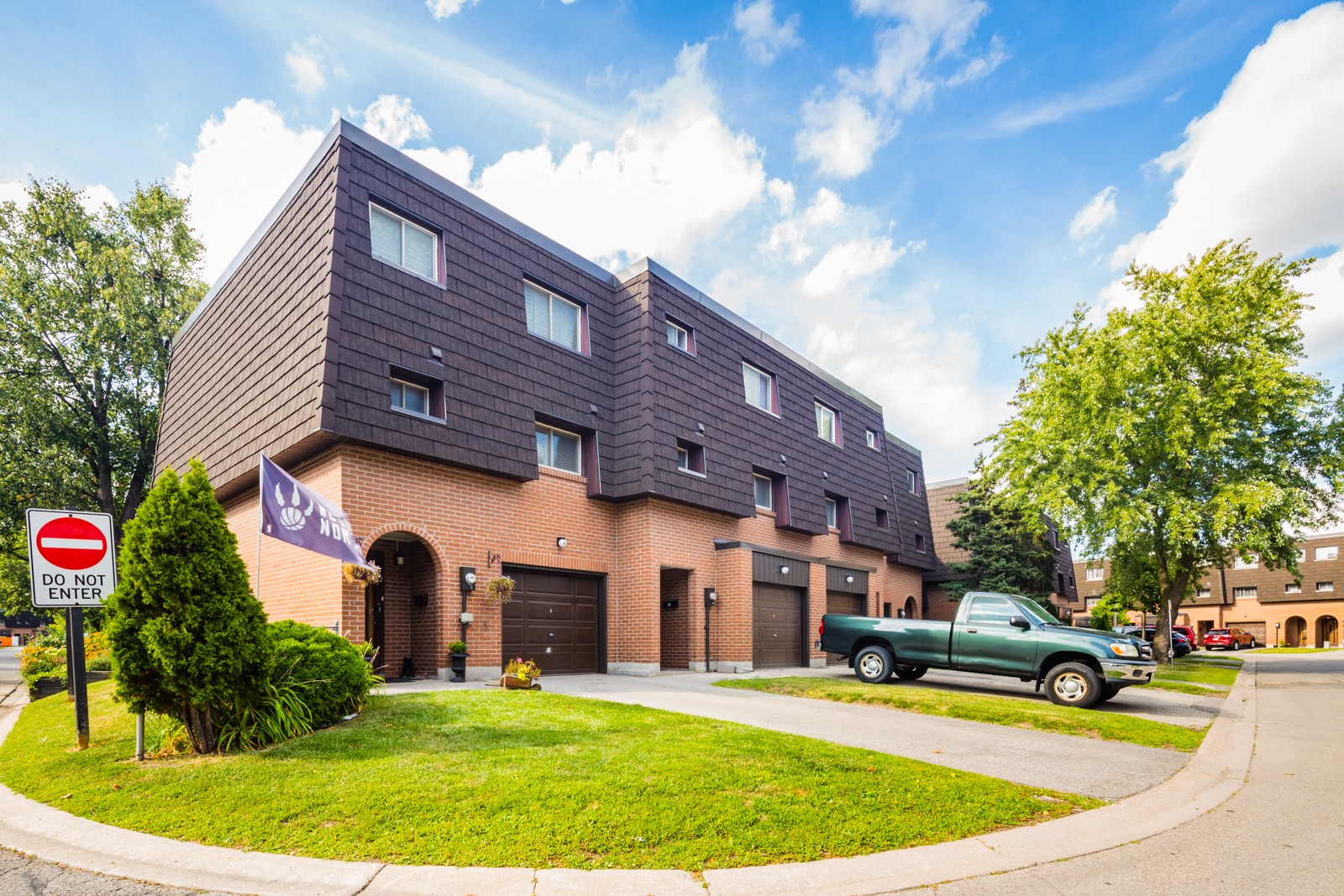 Darras Court at 111 Darras Crt, Brampton 0