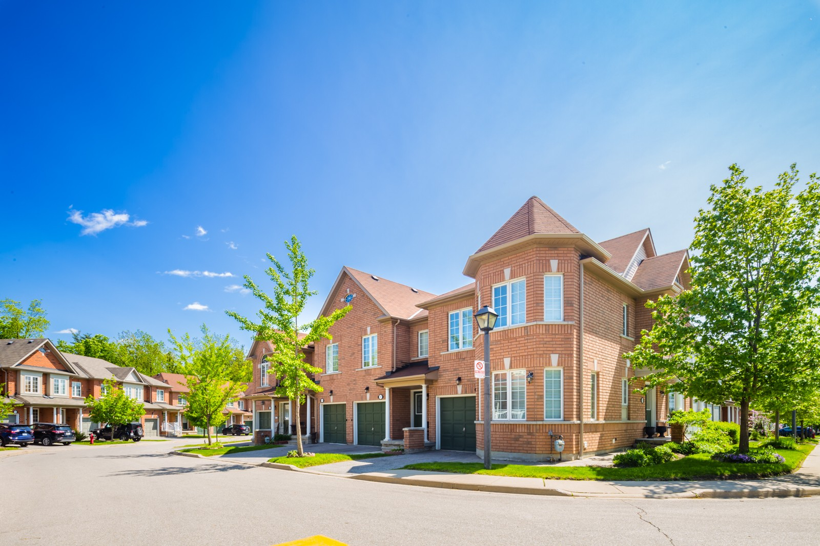 7360 Zinnia Pl Townhouses at 7360 Zinnia Pl, Mississauga 1