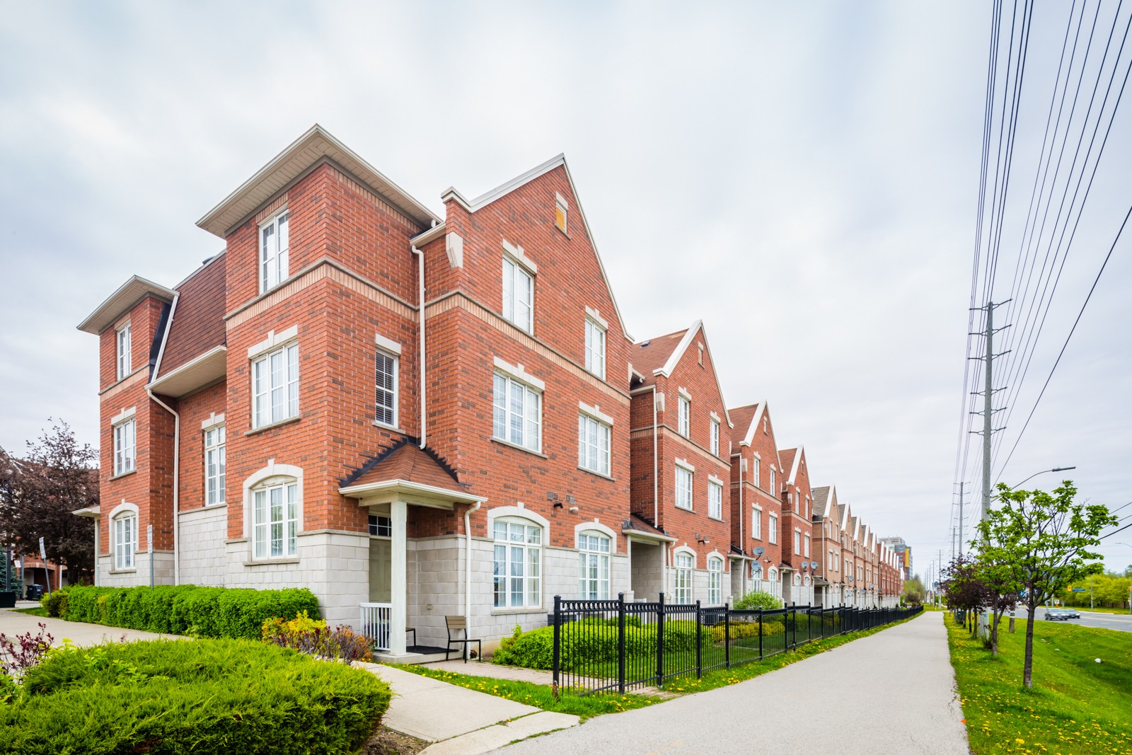 3030 Breakwater Court Townhouses at 3030 Breakwater Crt, Mississauga 0