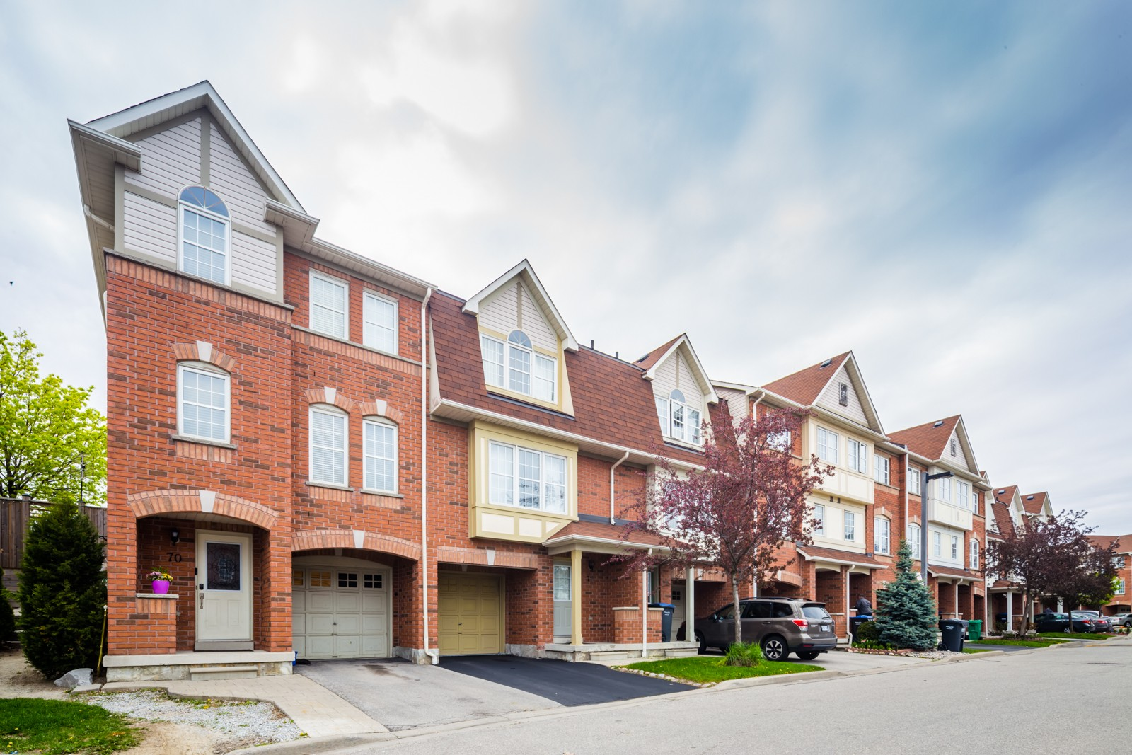 3030 Breakwater Court Townhouses at 3030 Breakwater Crt, Mississauga 1