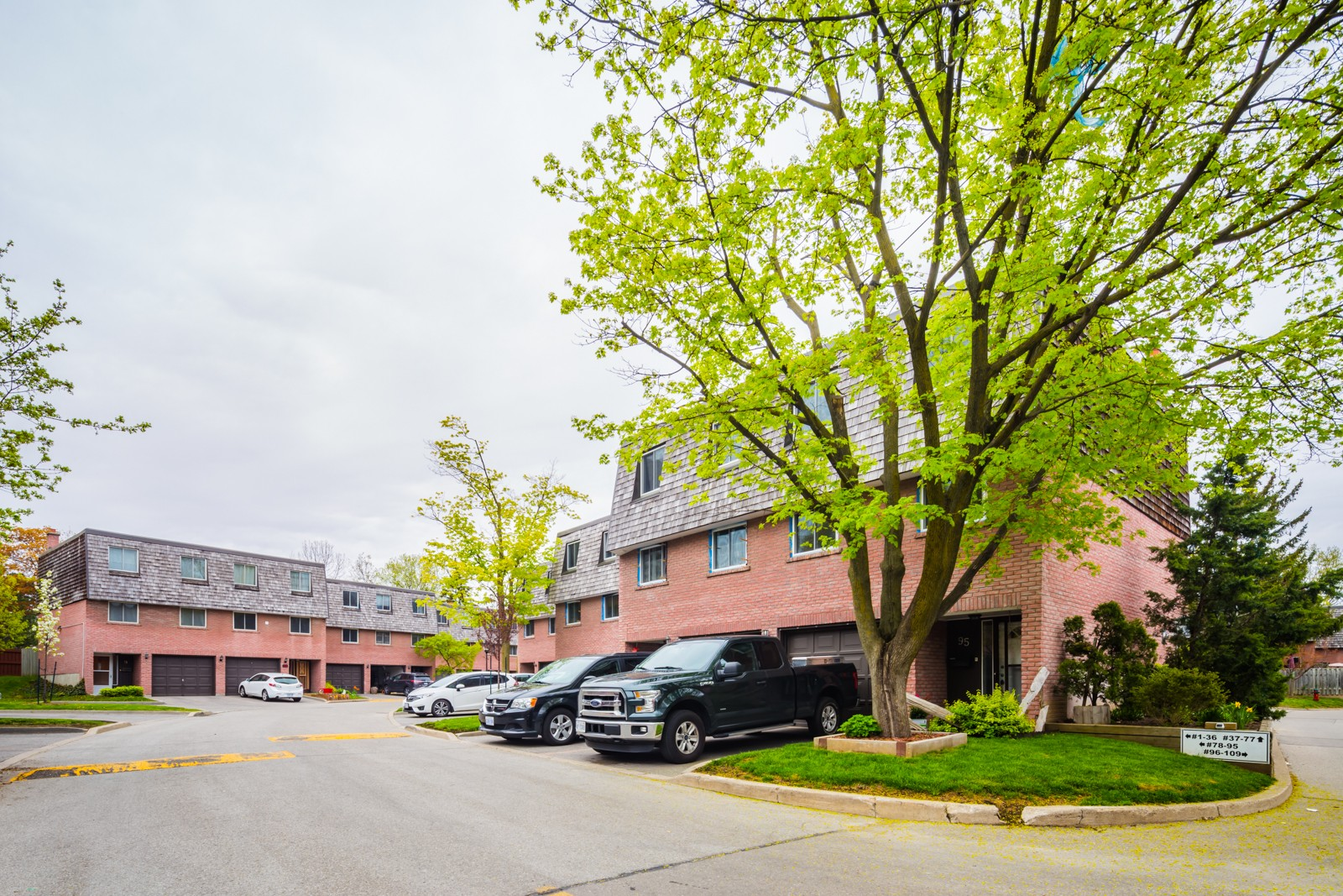 2145 Sherobee Townhouses at 2145 Sherobee Rd, Mississauga 1