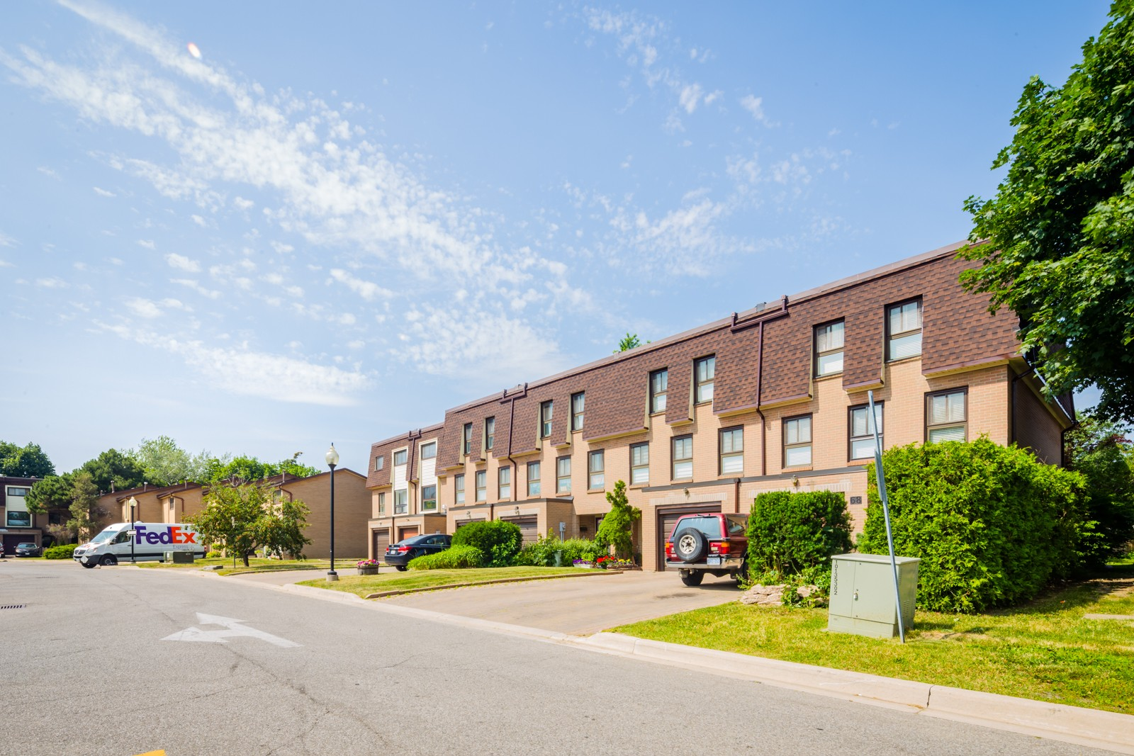46 Dearbourne Townhouses at 46 Dearbourne Blvd, Brampton 1