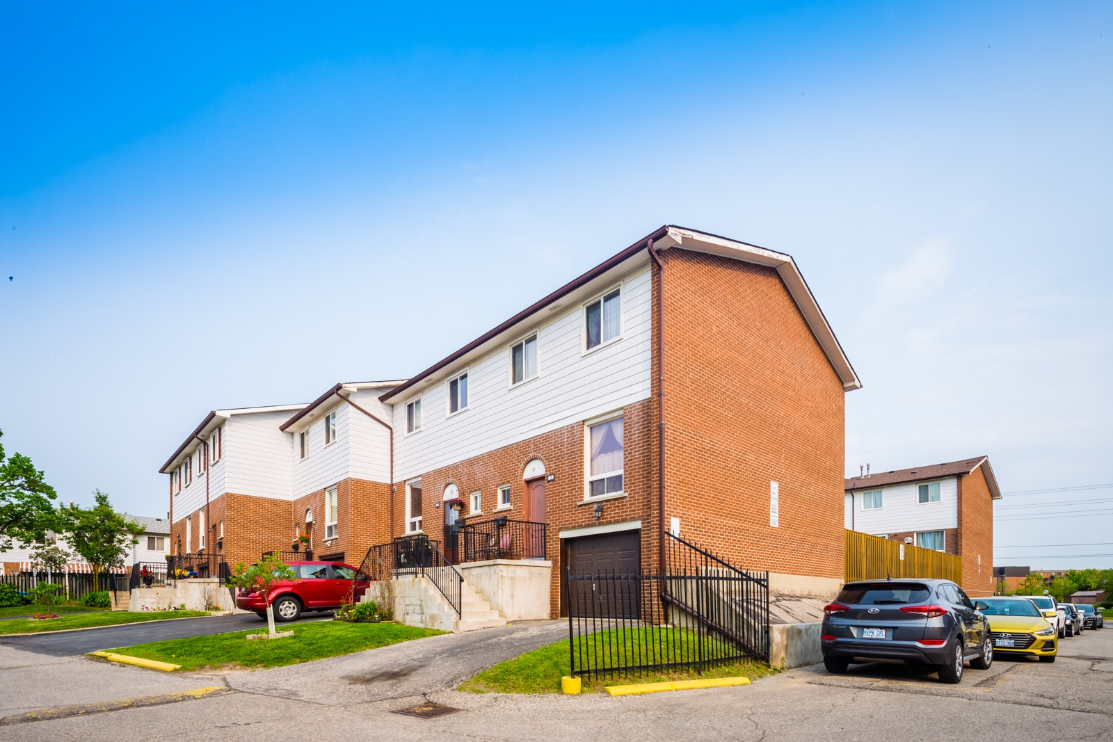 7406 Darcel Avenue Townhouses at 7406 Darcel Ave, Mississauga 0