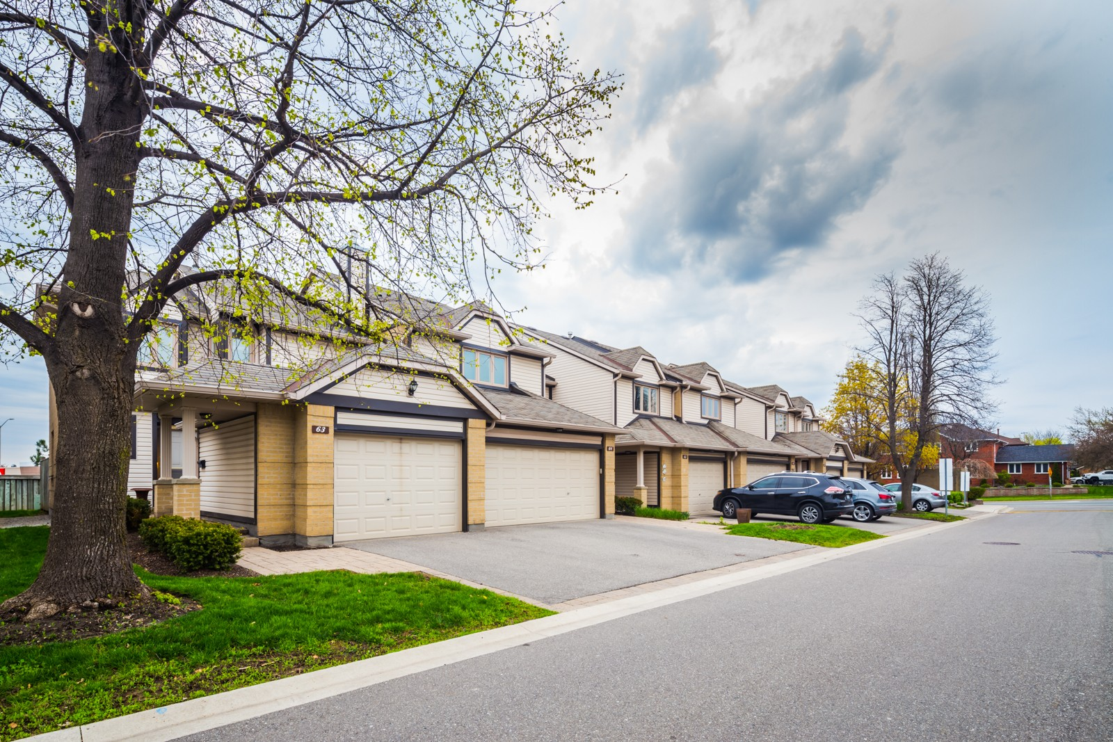 The Avenues at 2275 Credit Valley Rd, Mississauga 0