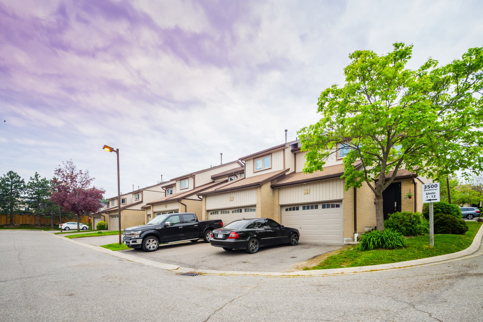 3500 South Millway Townhouses at 3500 South Millway, Mississauga 1