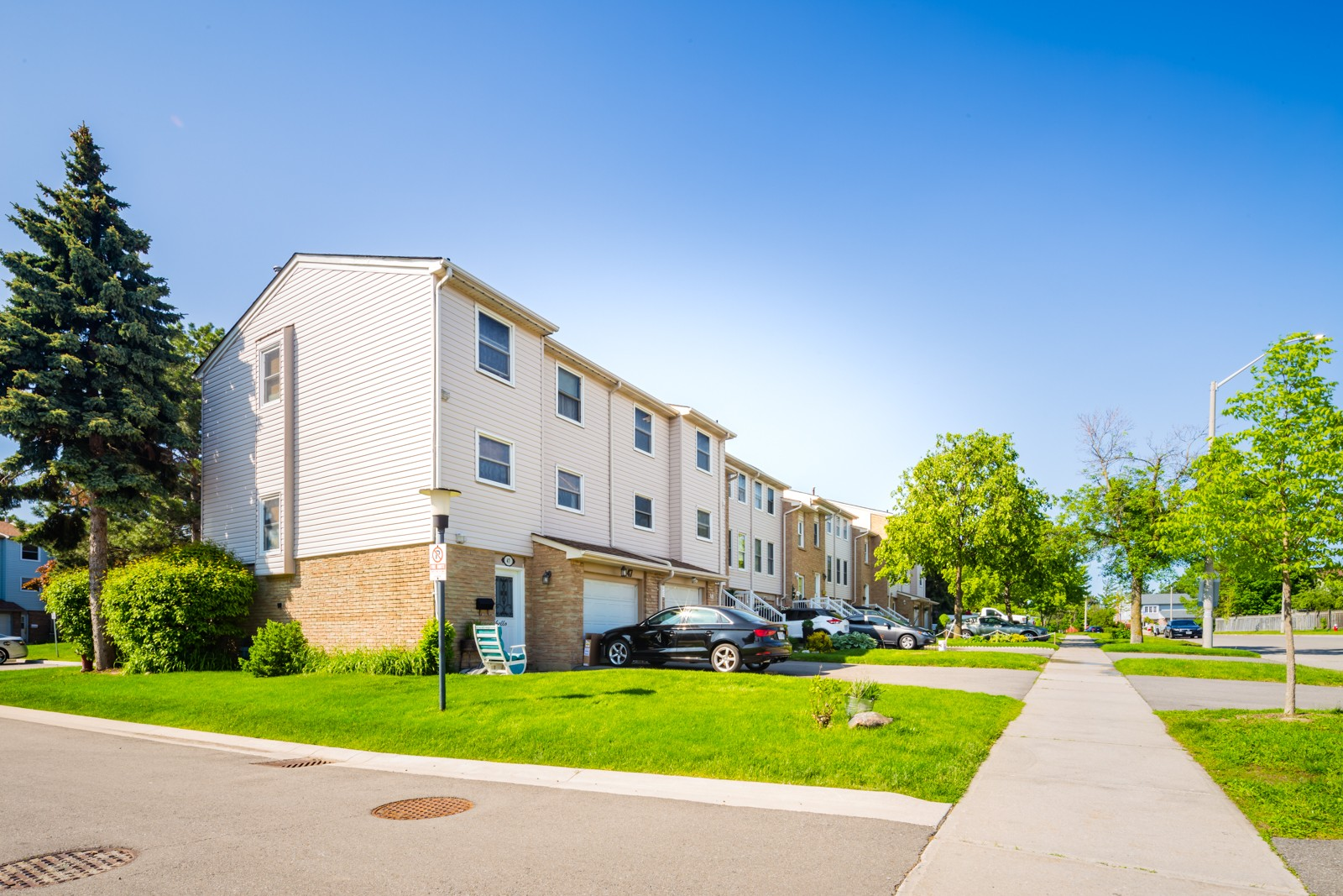 5878 Montevideo Road Townhouses at 5878 Montevideo Rd, Mississauga 1